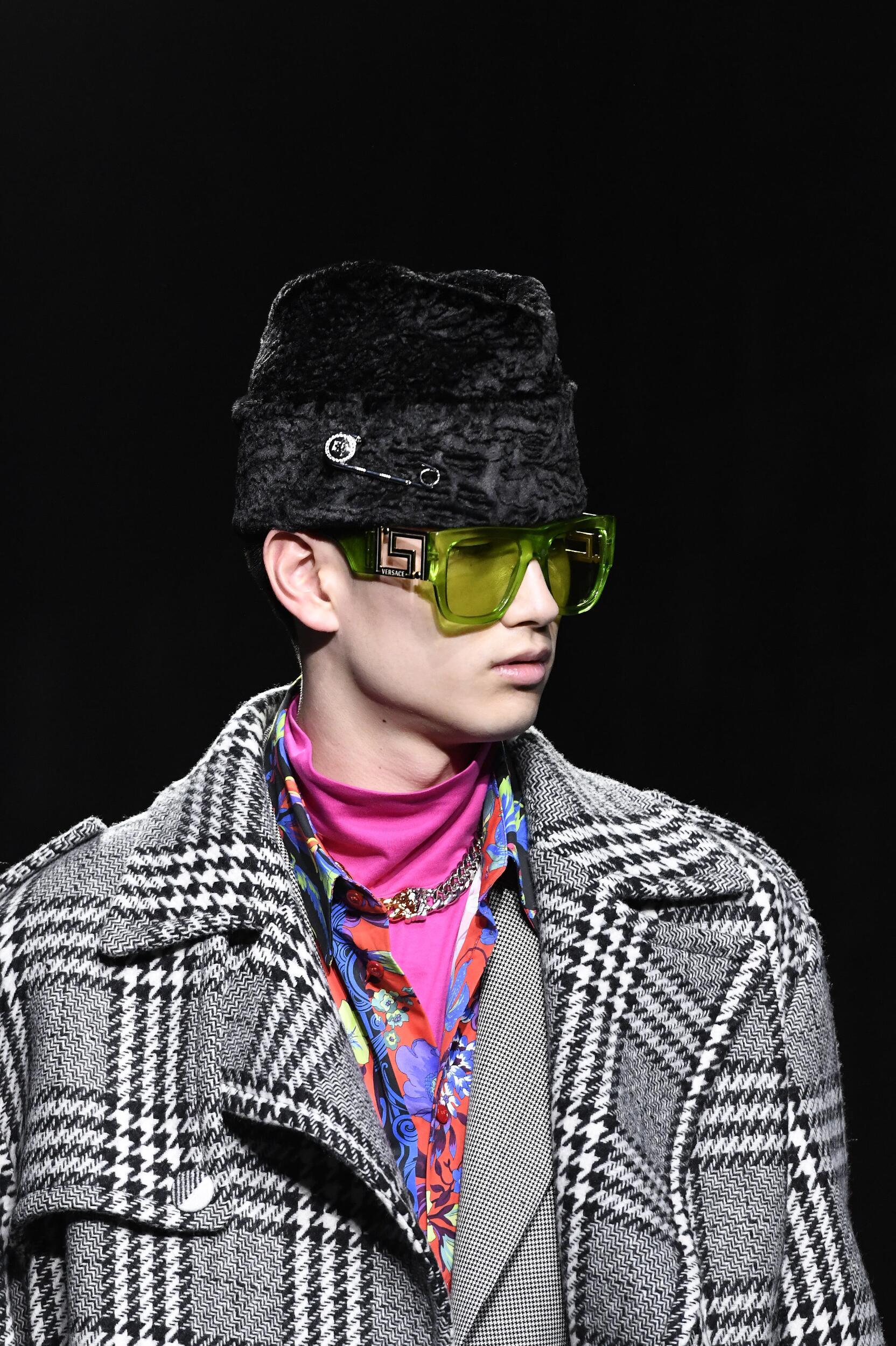 2020 Menswear Sunglasses Versace