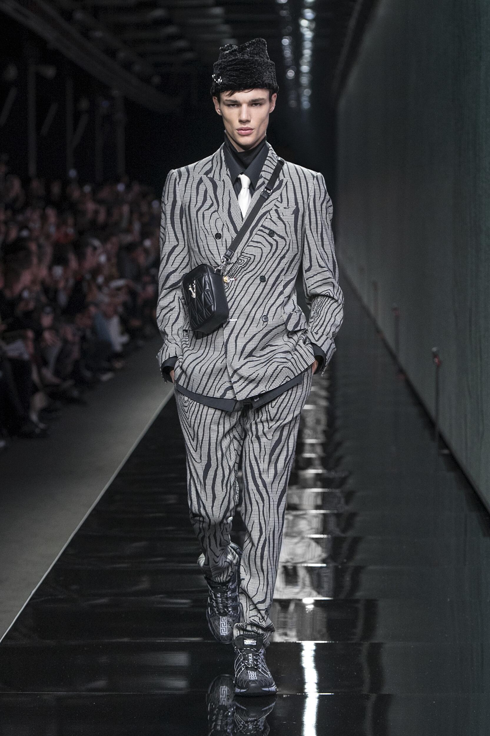 2020 Versace Fall Catwalk