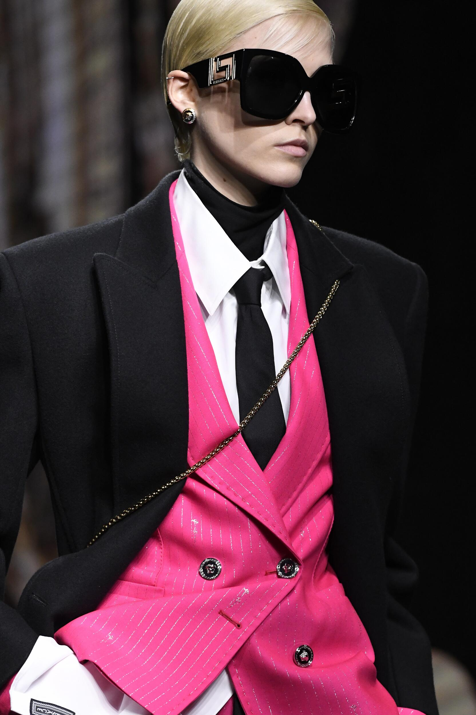 2020 Versace Model Detail