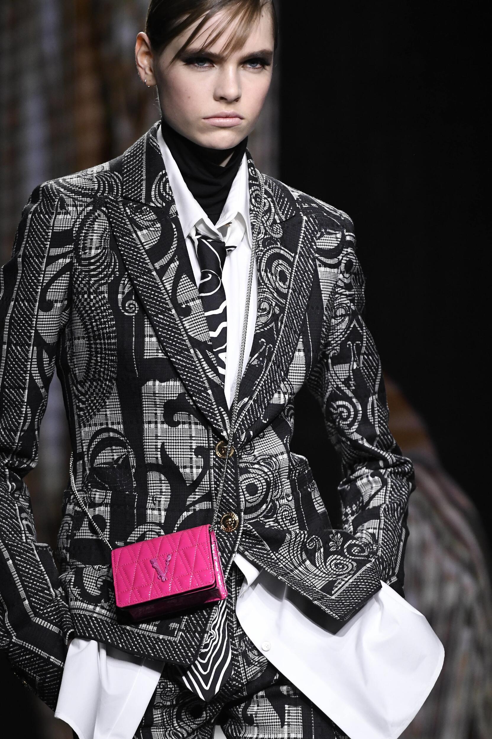 2020 Woman Detail Versace