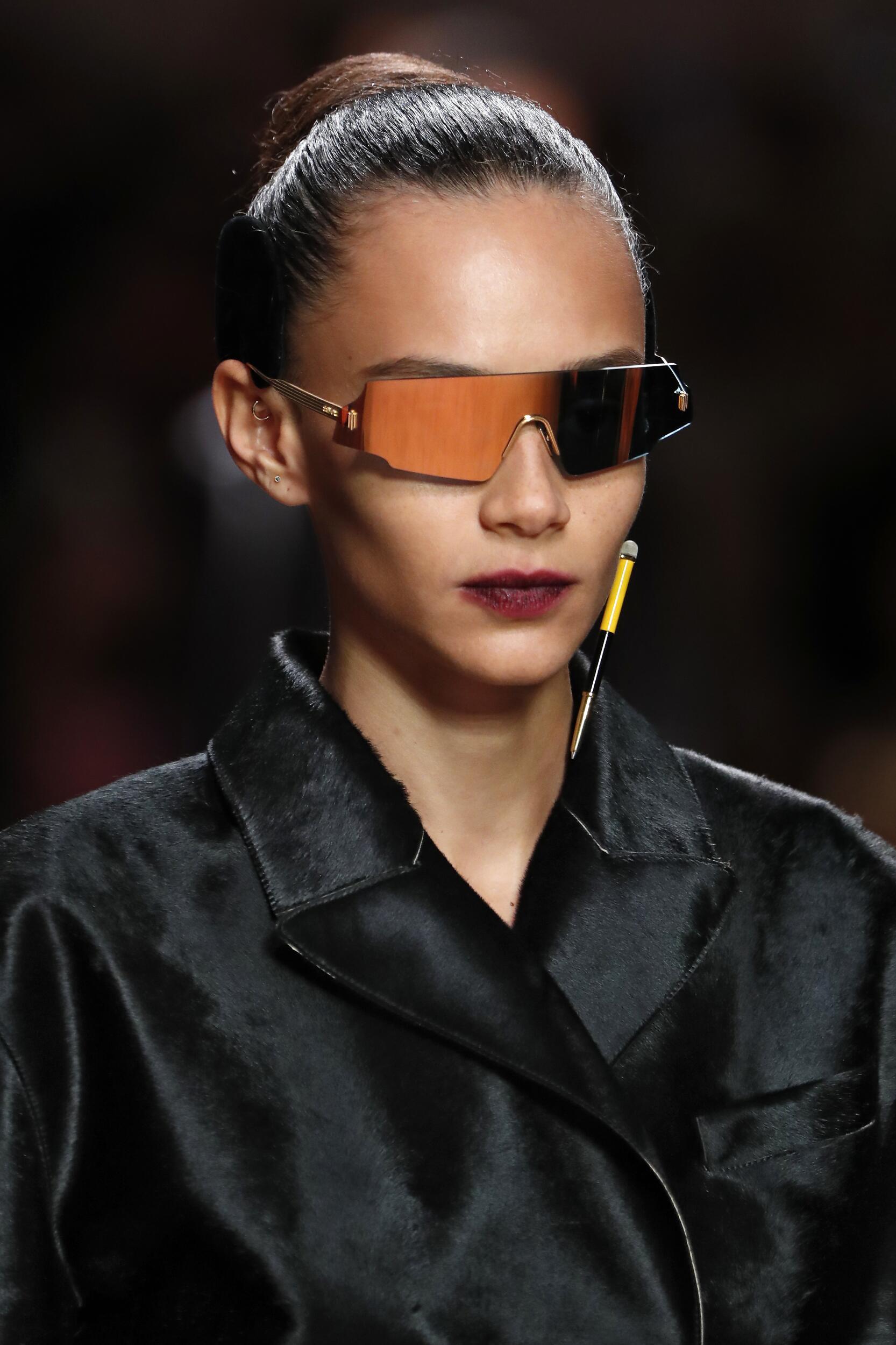 2020 Womenswear Sunglasses Fendi