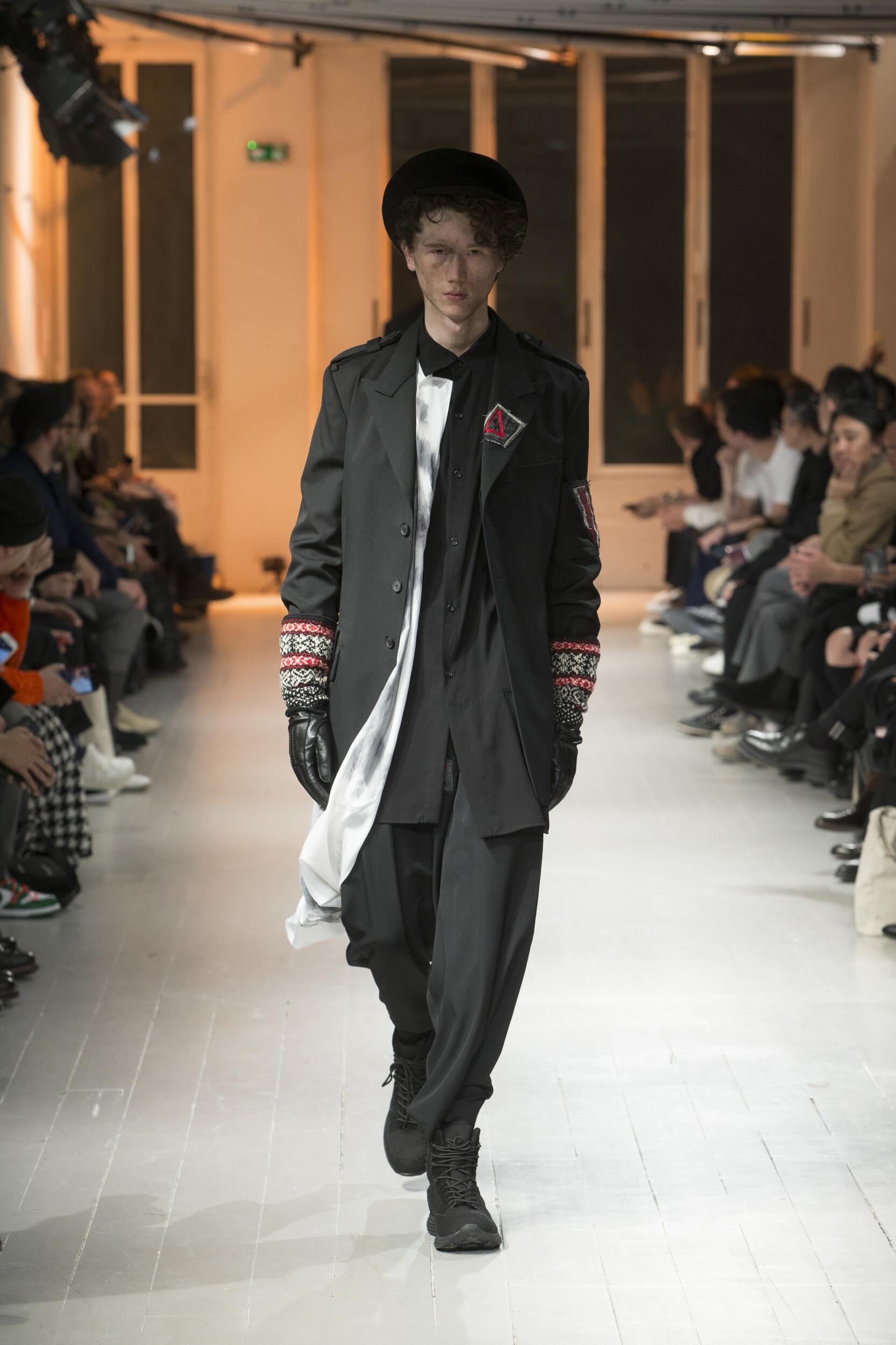 2020 Yohji Yamamoto Winter Catwalk