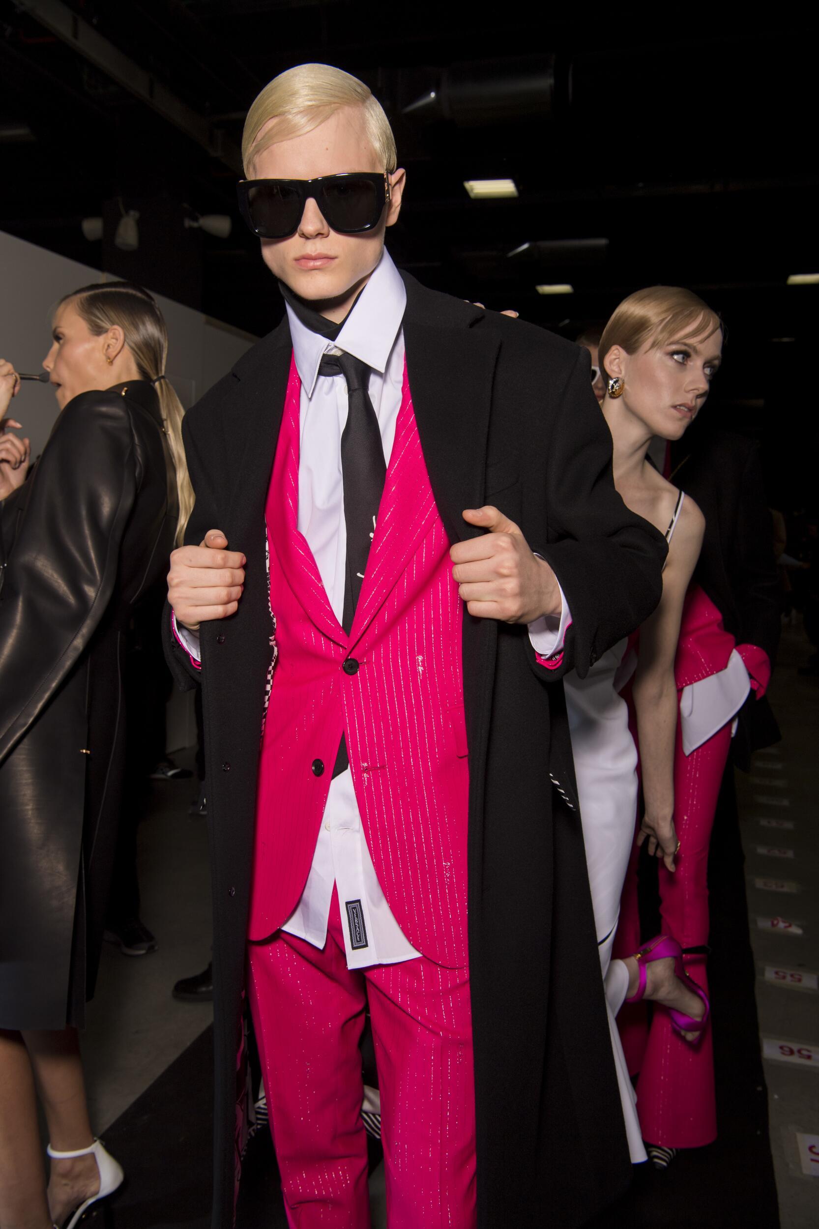 Backstage Versace Trends