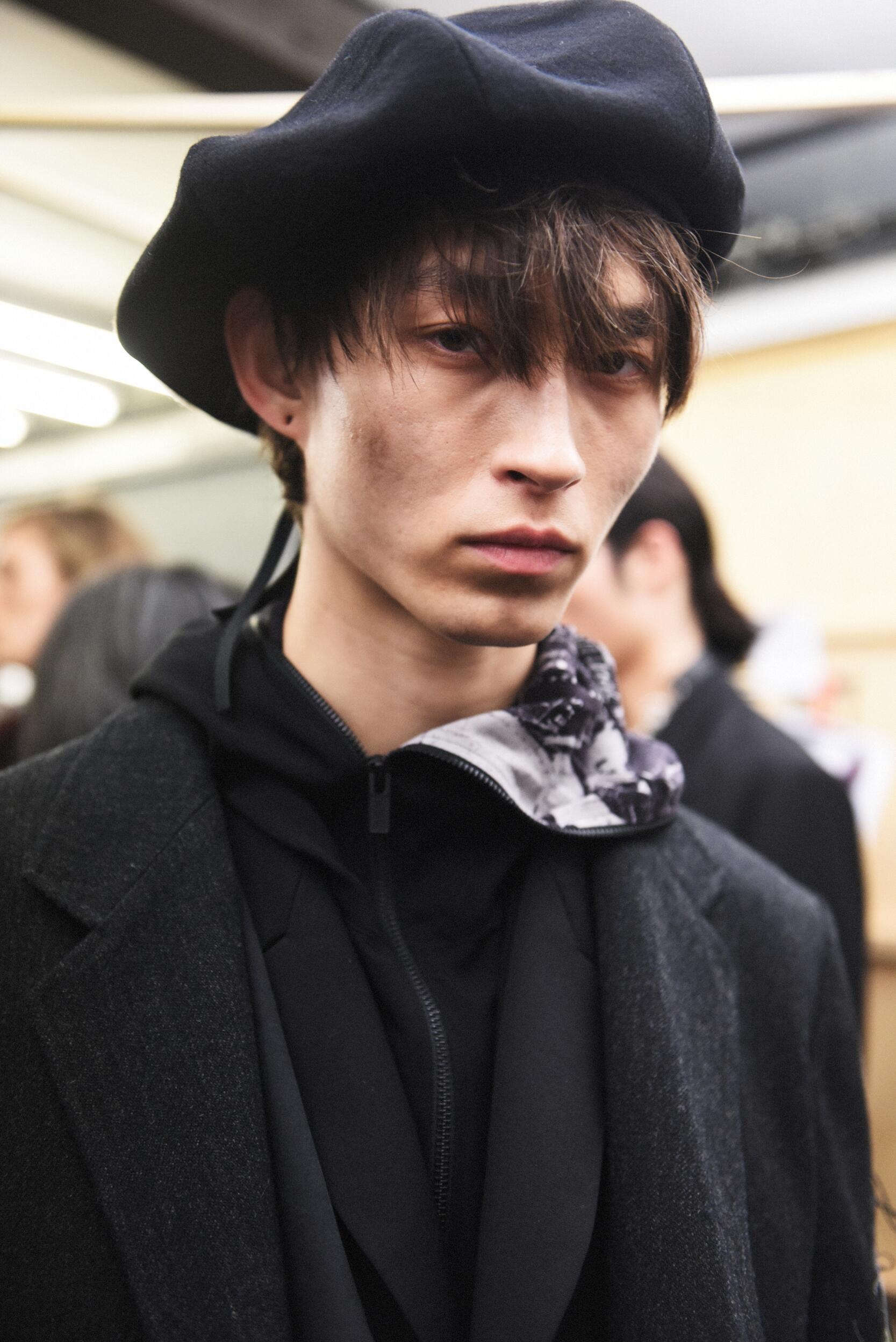 Backstage Yohji Yamamoto Fall Menswear 2020