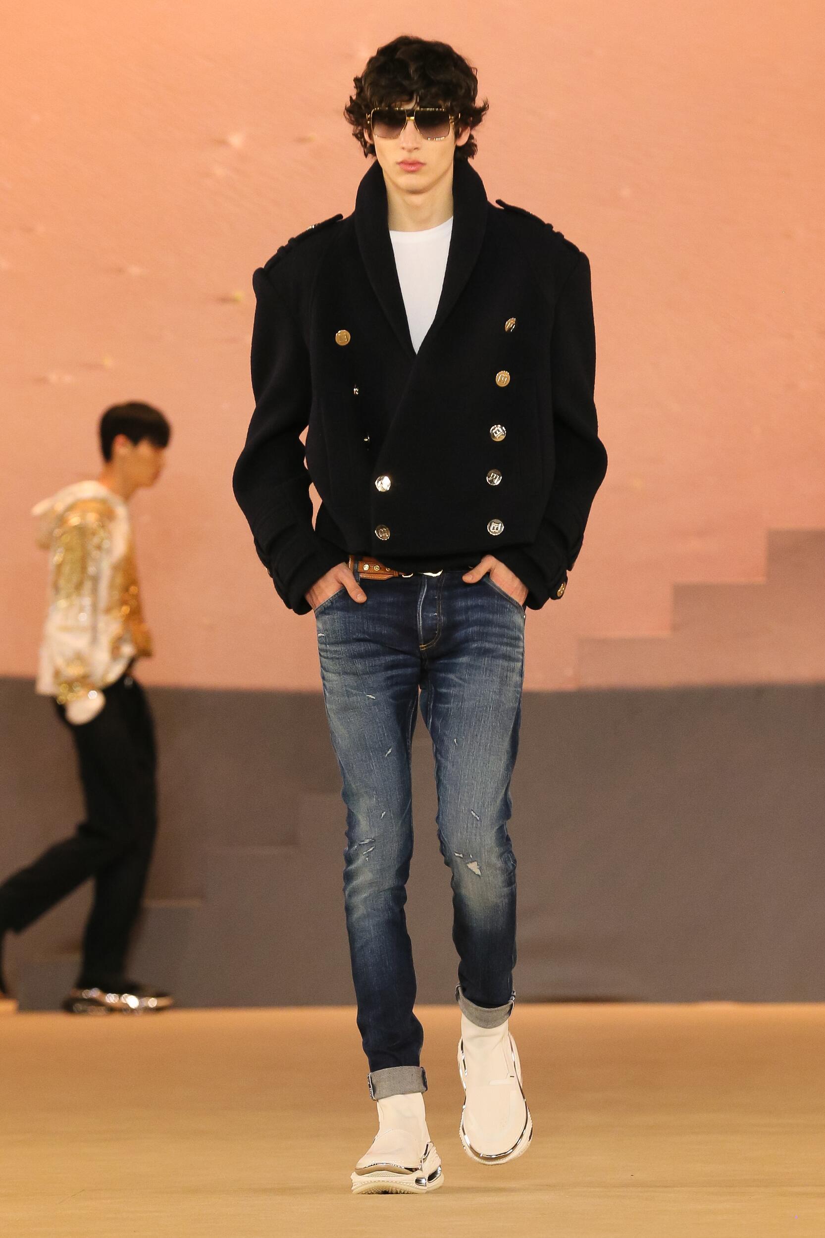Catwalk Balmain Man Fashion Show Winter 2020