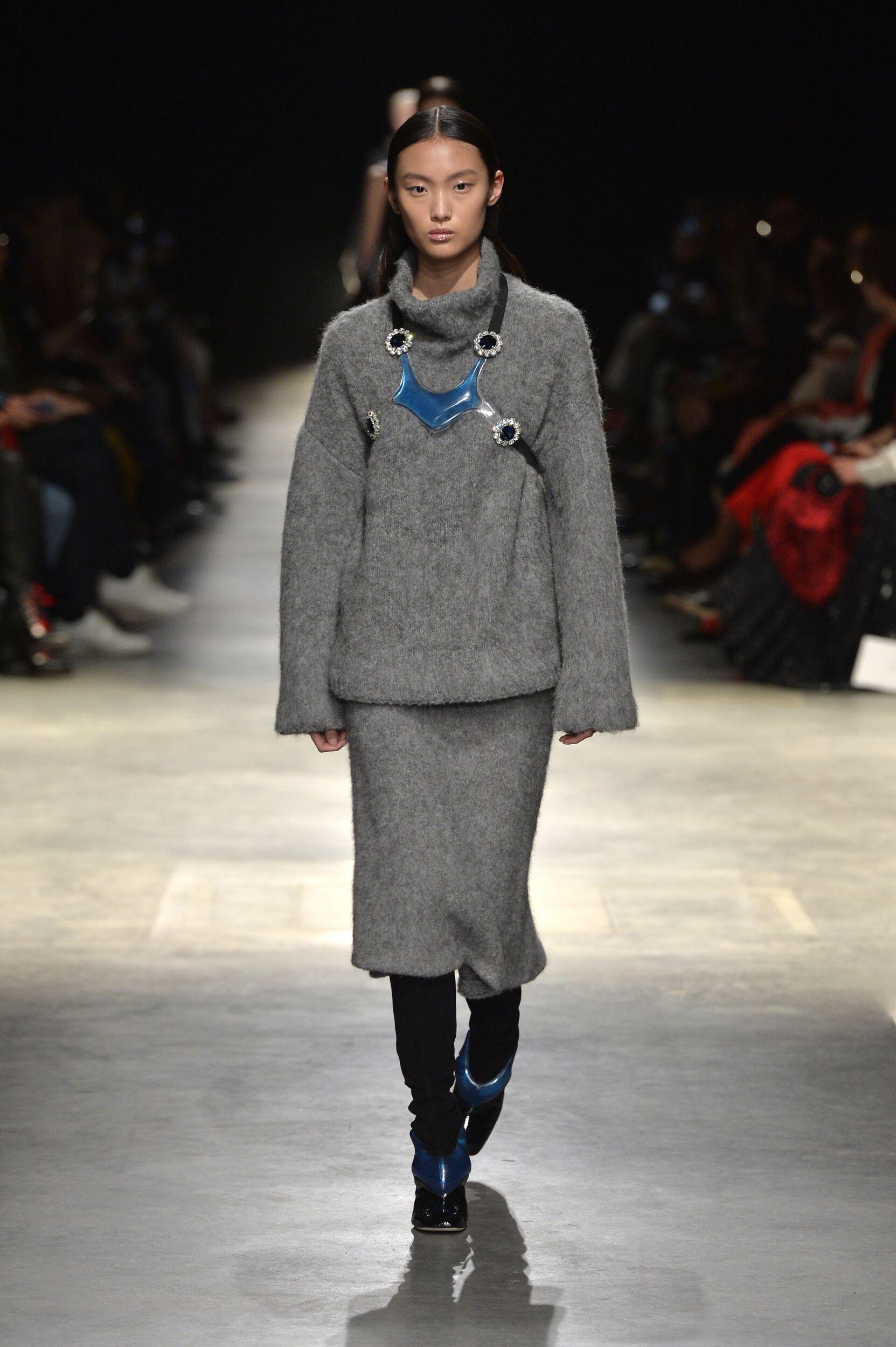 Catwalk Christopher Kane Woman Fashion Show Winter 2020
