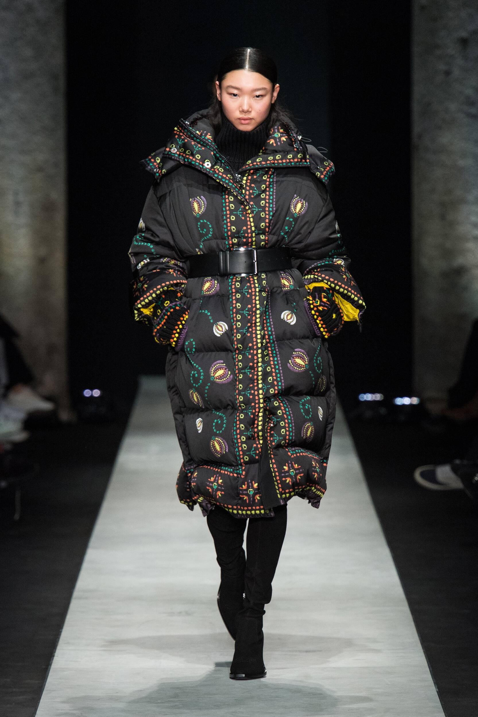 Catwalk Ermanno Scervino Woman Fashion Show Winter 2020