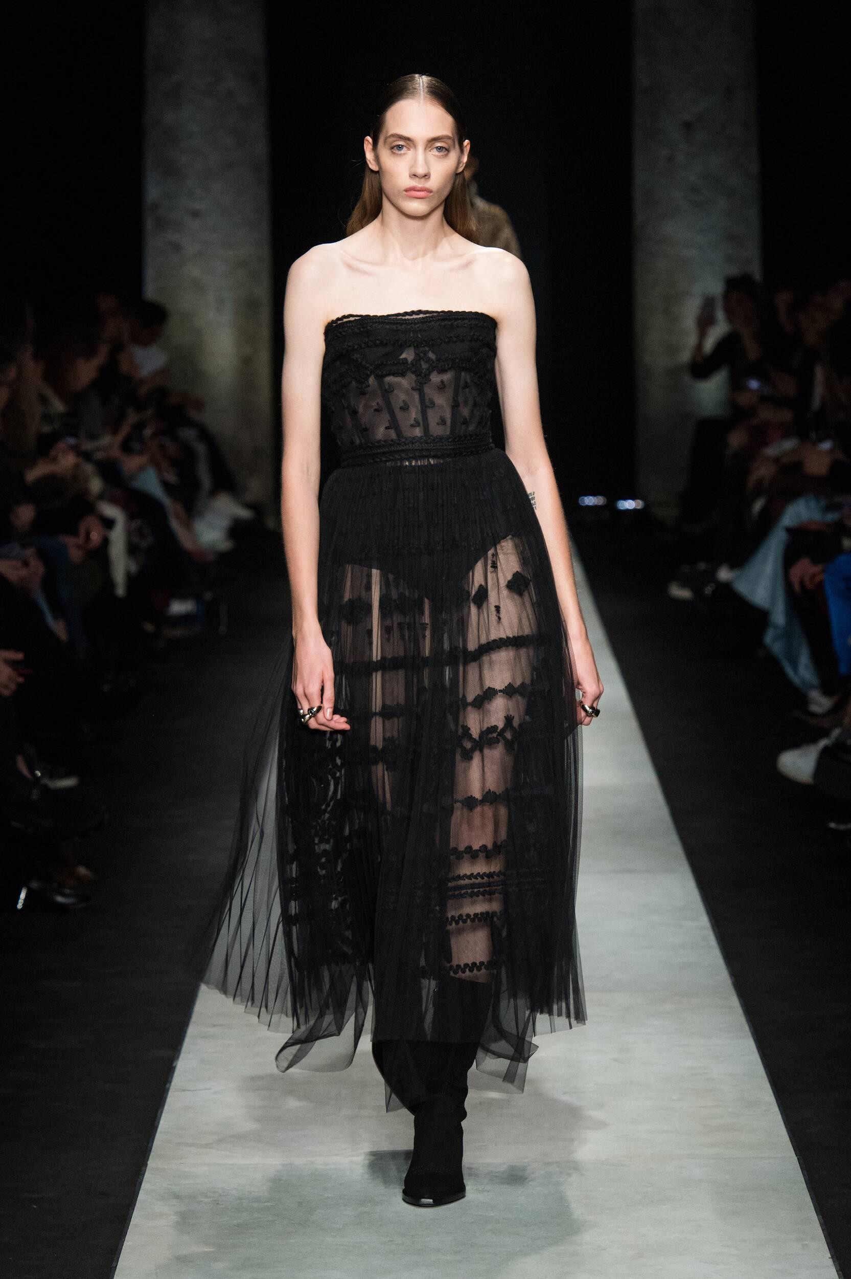 Catwalk Ermanno Scervino Women Fashion Show Winter 2020
