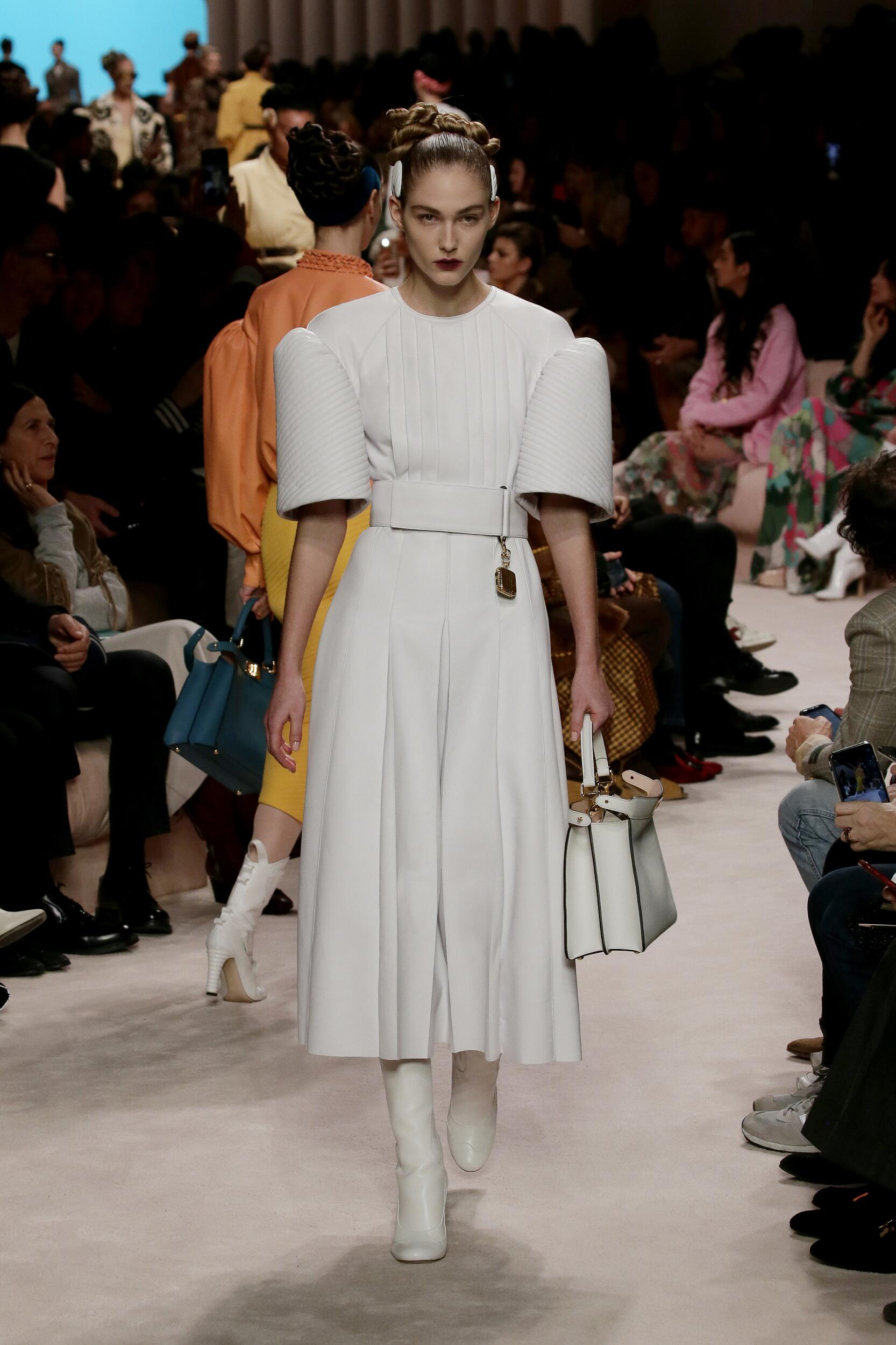 Catwalk Fendi Woman Fashion Show Winter 2020