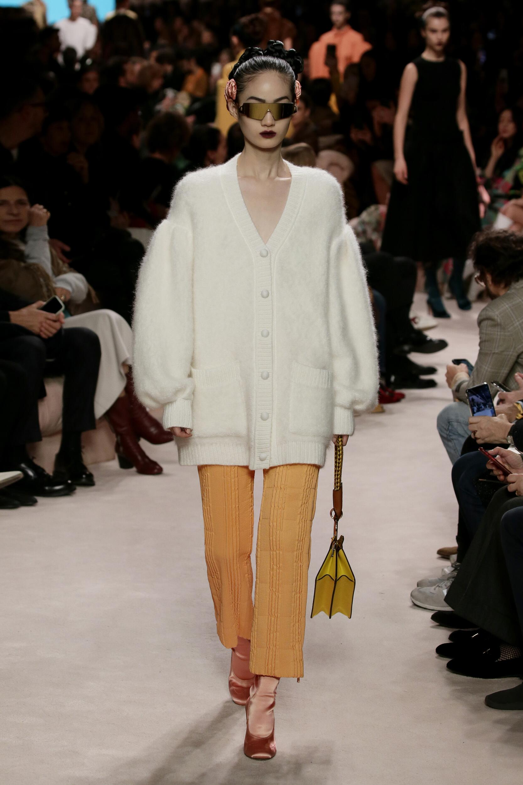 Catwalk Fendi Women Fashion Show Winter 2020