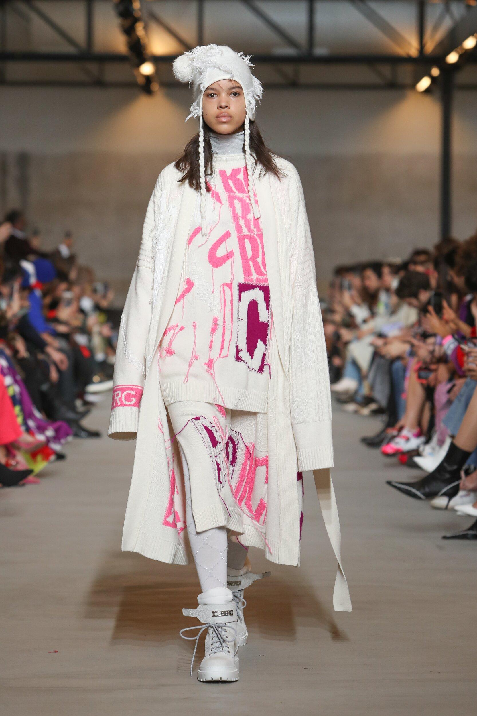 Catwalk Iceberg Woman Fashion Show Winter 2020