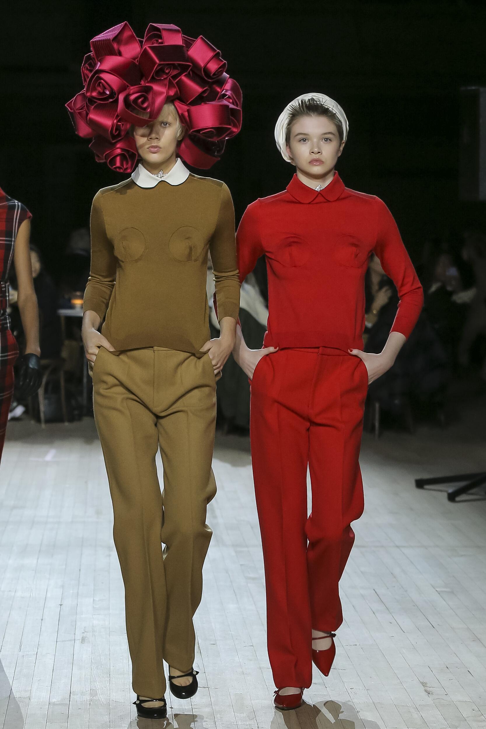 Catwalk Marc Jacobs Women Fashion Show Winter 2020