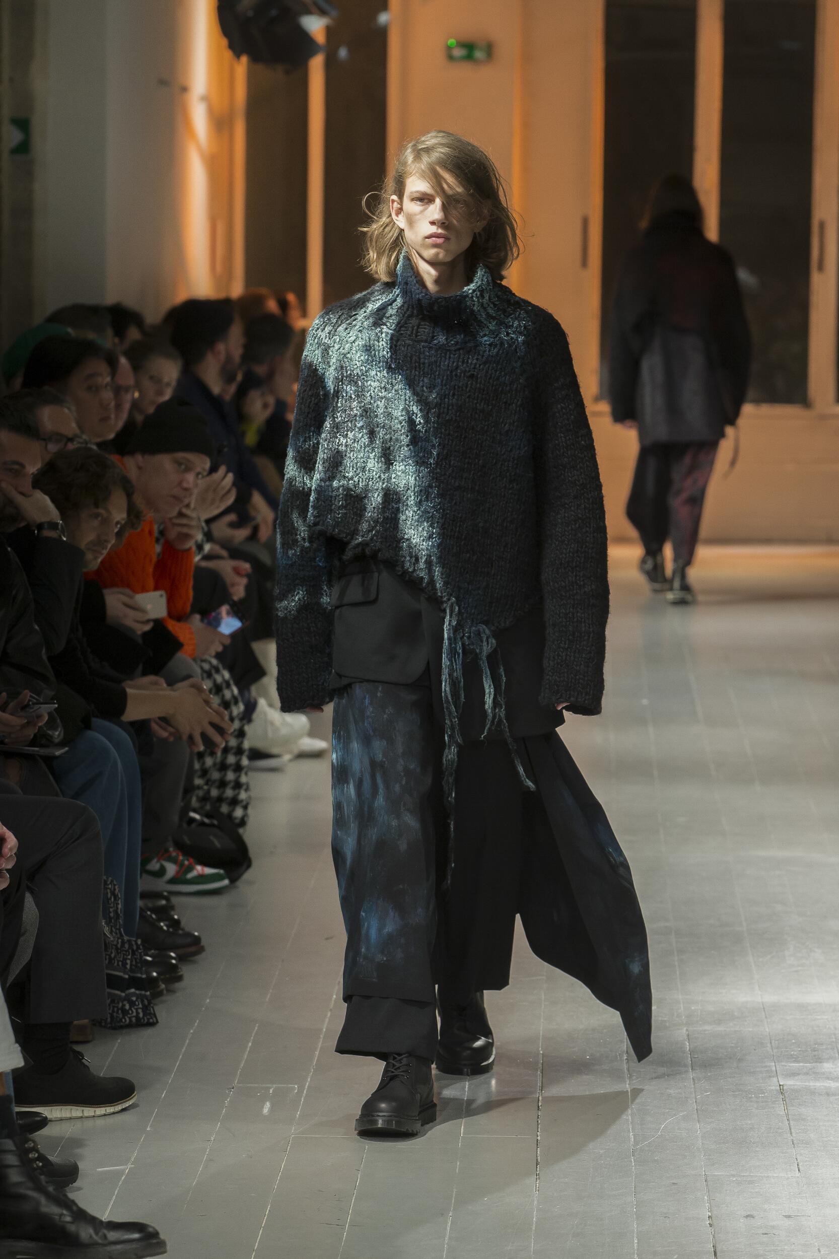 Catwalk Yohji Yamamoto Man Fashion Show Winter 2020