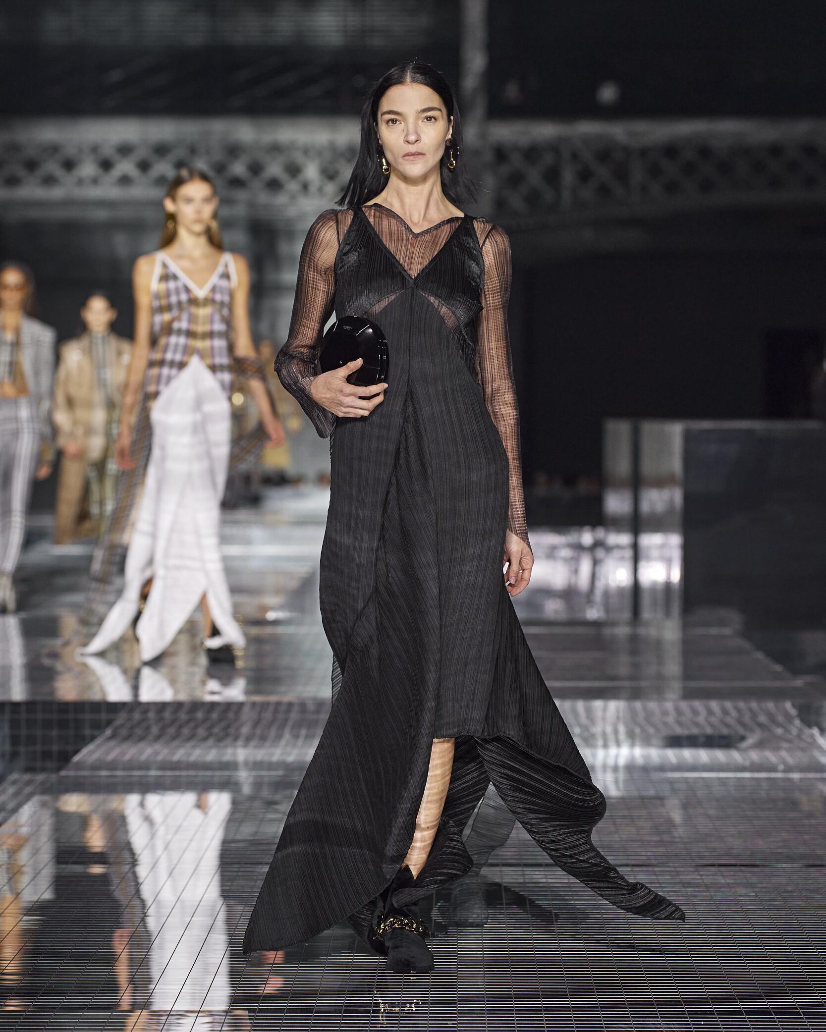 FW 2020-21 Burberry Fashion Show London