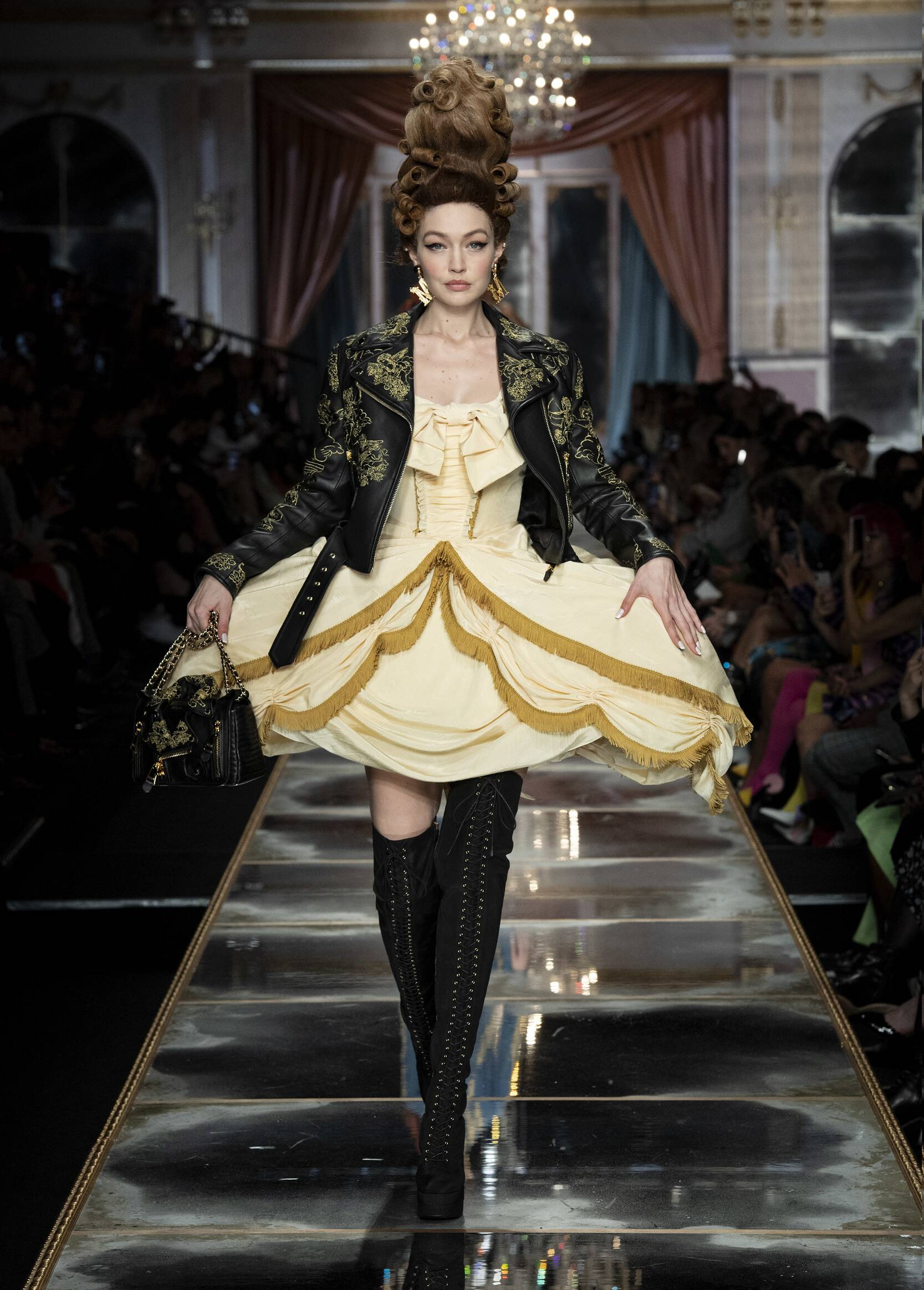 FW 2020-21 Moschino Fashion Show