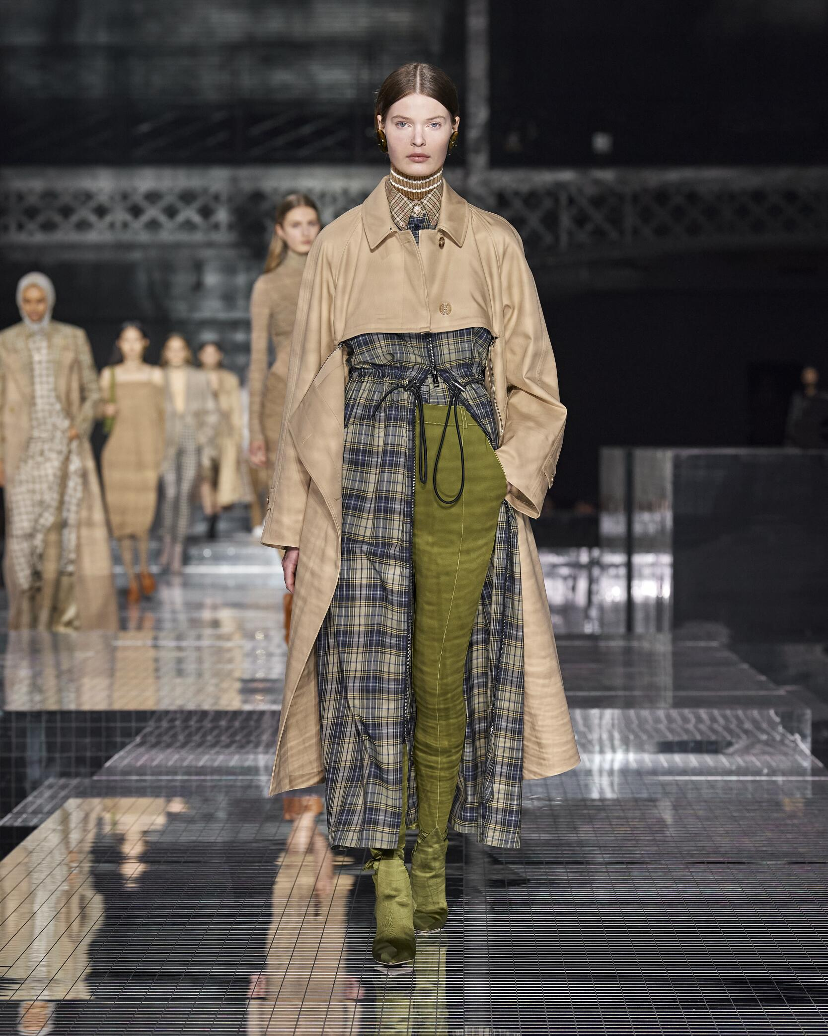 Fall Winter Fashion Trends 2020 Burberry
