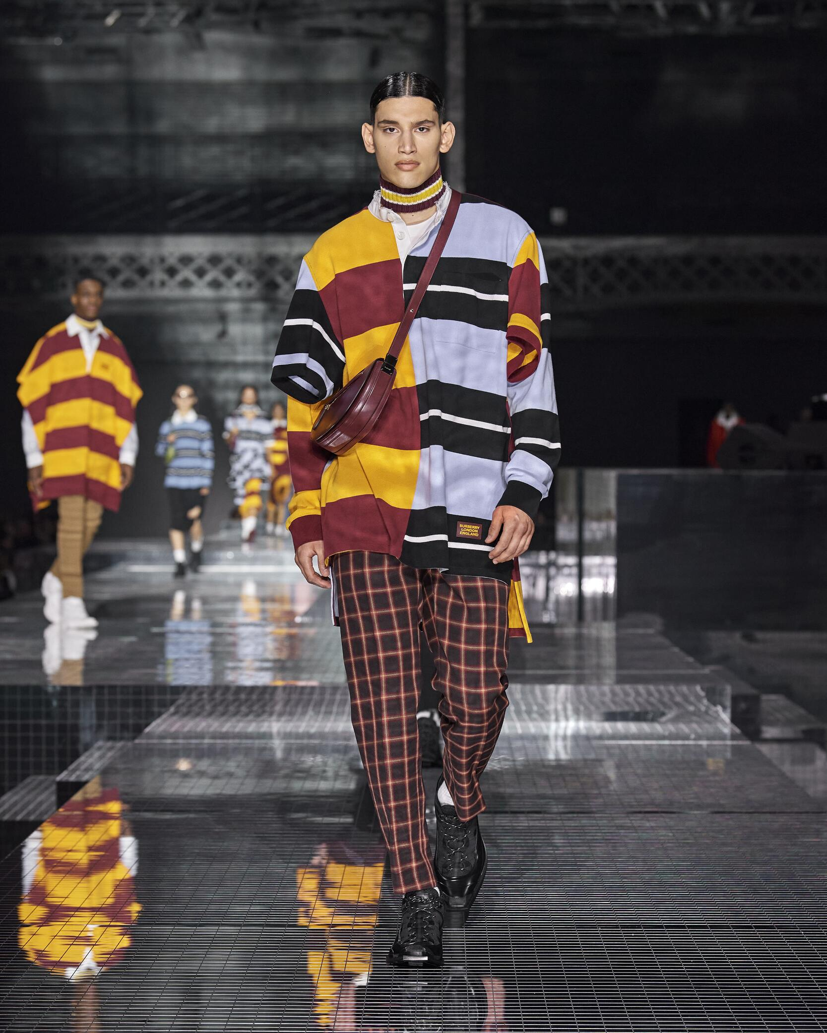 Fashion 2020-21 Runway Burberry Winter Man
