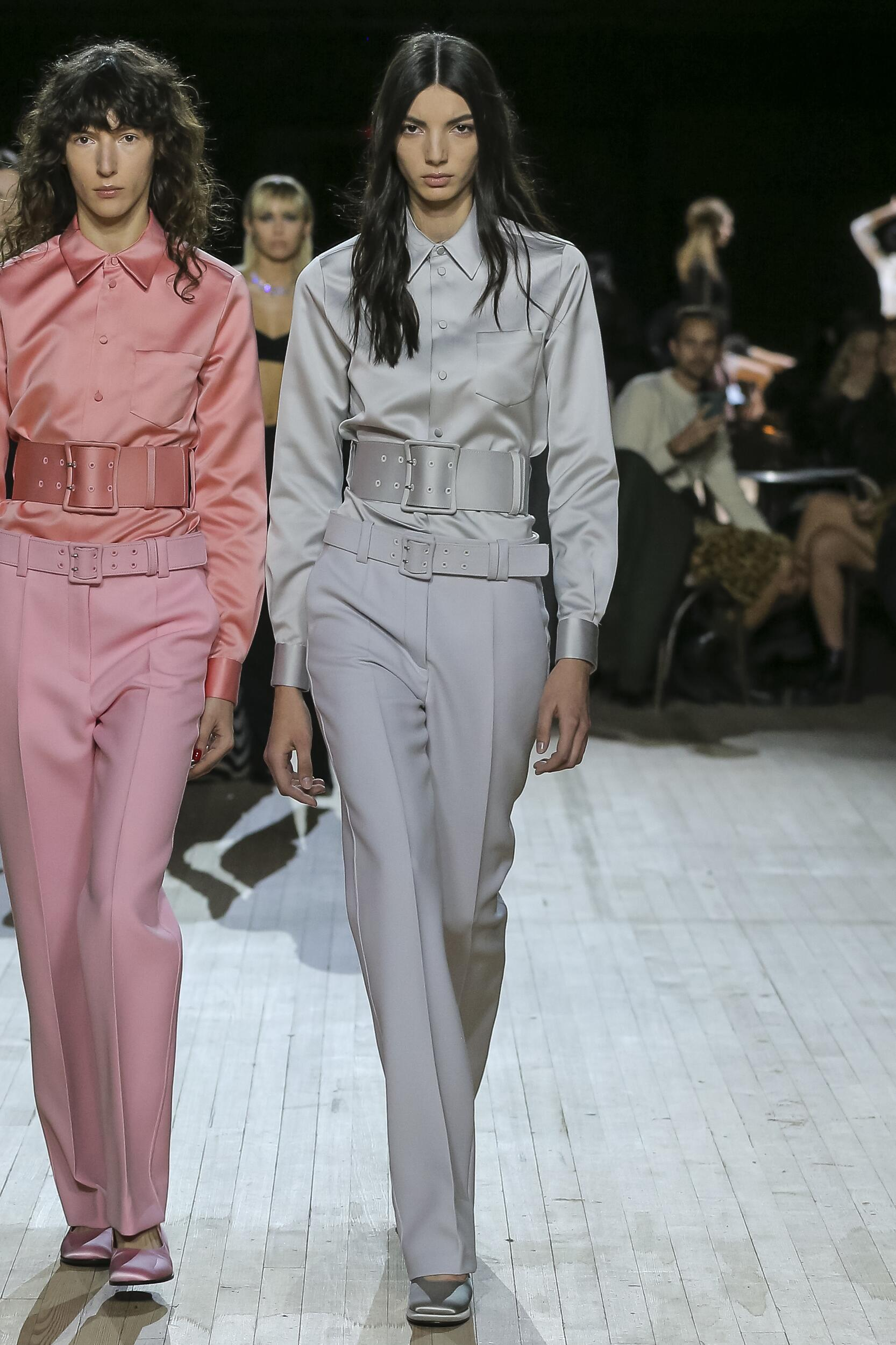 Fashion 2020 Runway Marc Jacobs Winter Woman