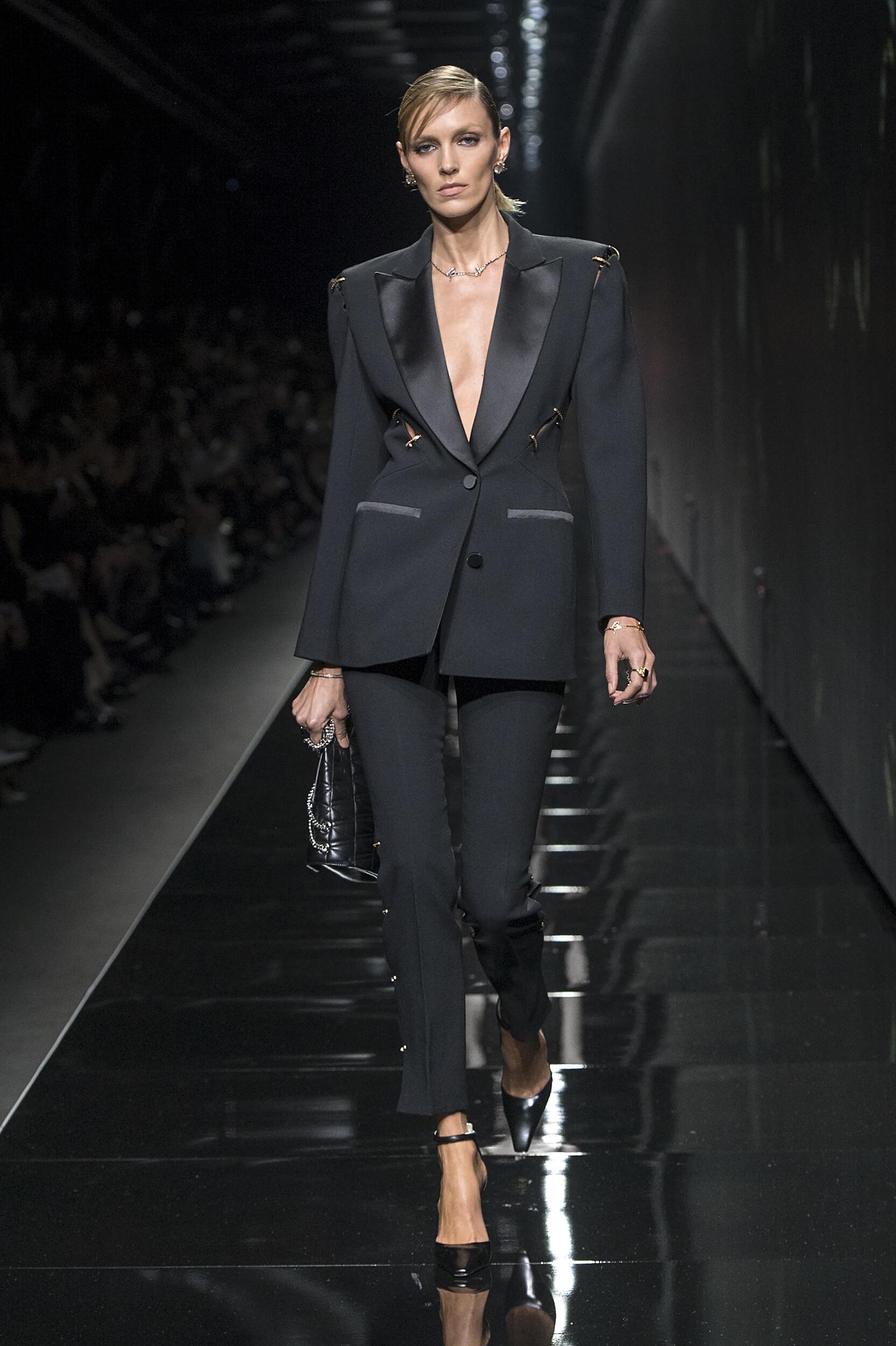Fashion 2020 Runway Versace FW