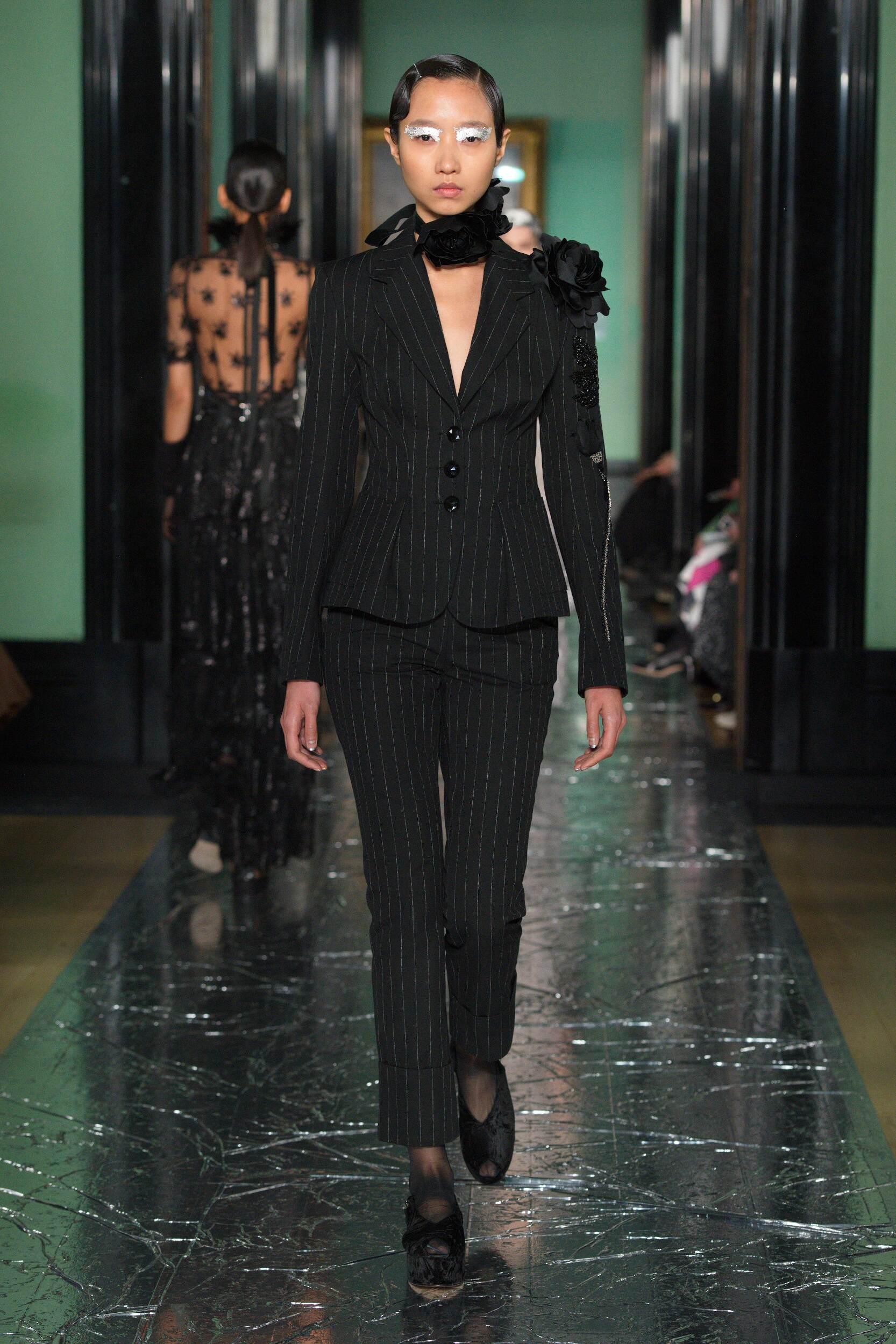 Fashion 2020 Runway Woman Erdem Winter