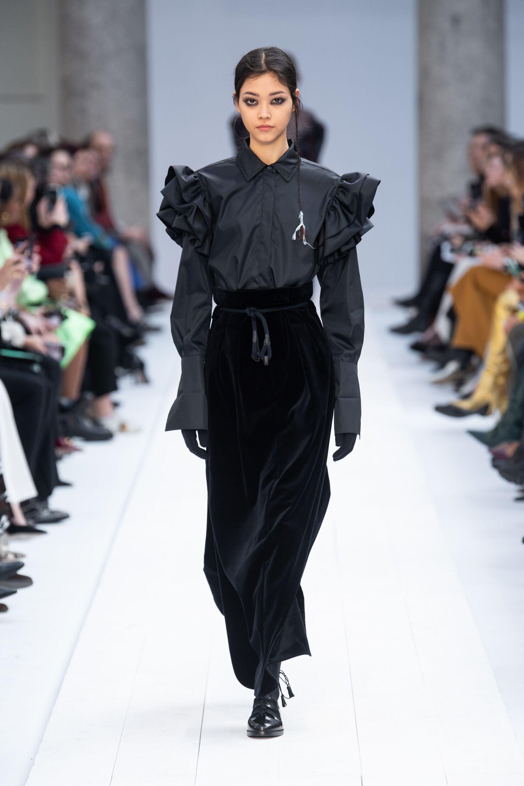 Fashion 2020 Runway Woman Max Mara Winter