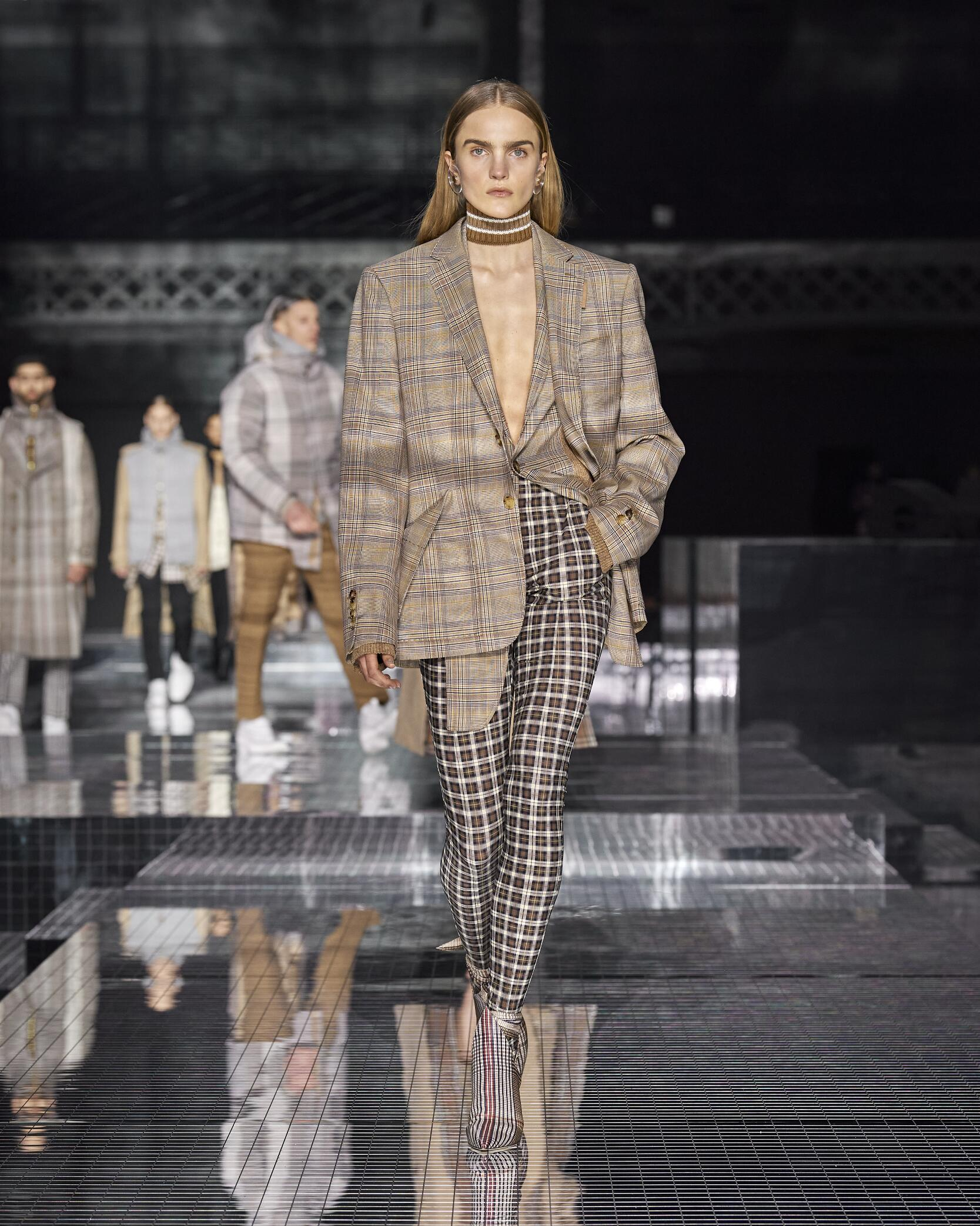 Fashion 2020 Womens Style Burberry