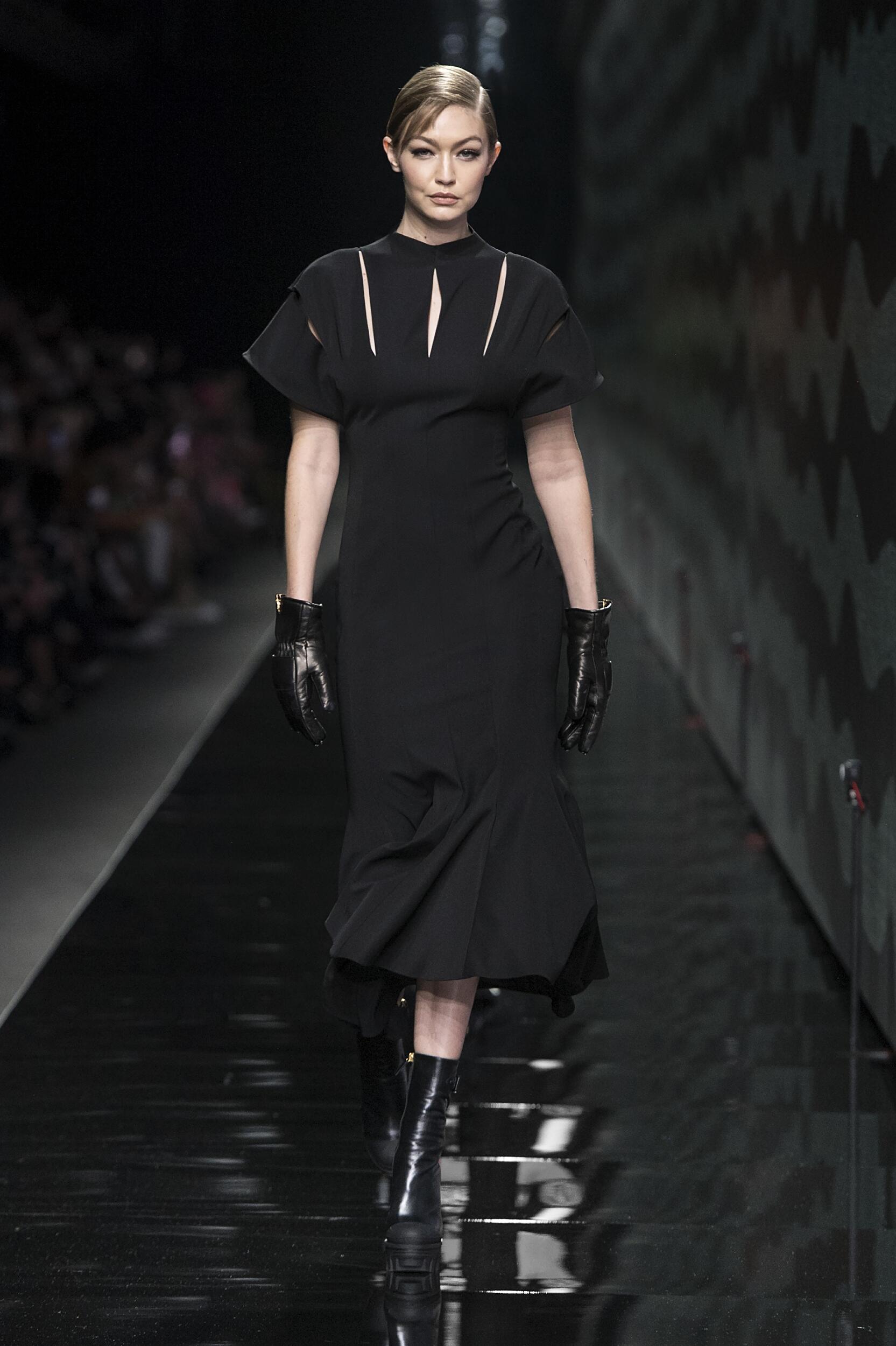Fashion 2020 Womens Style Versace