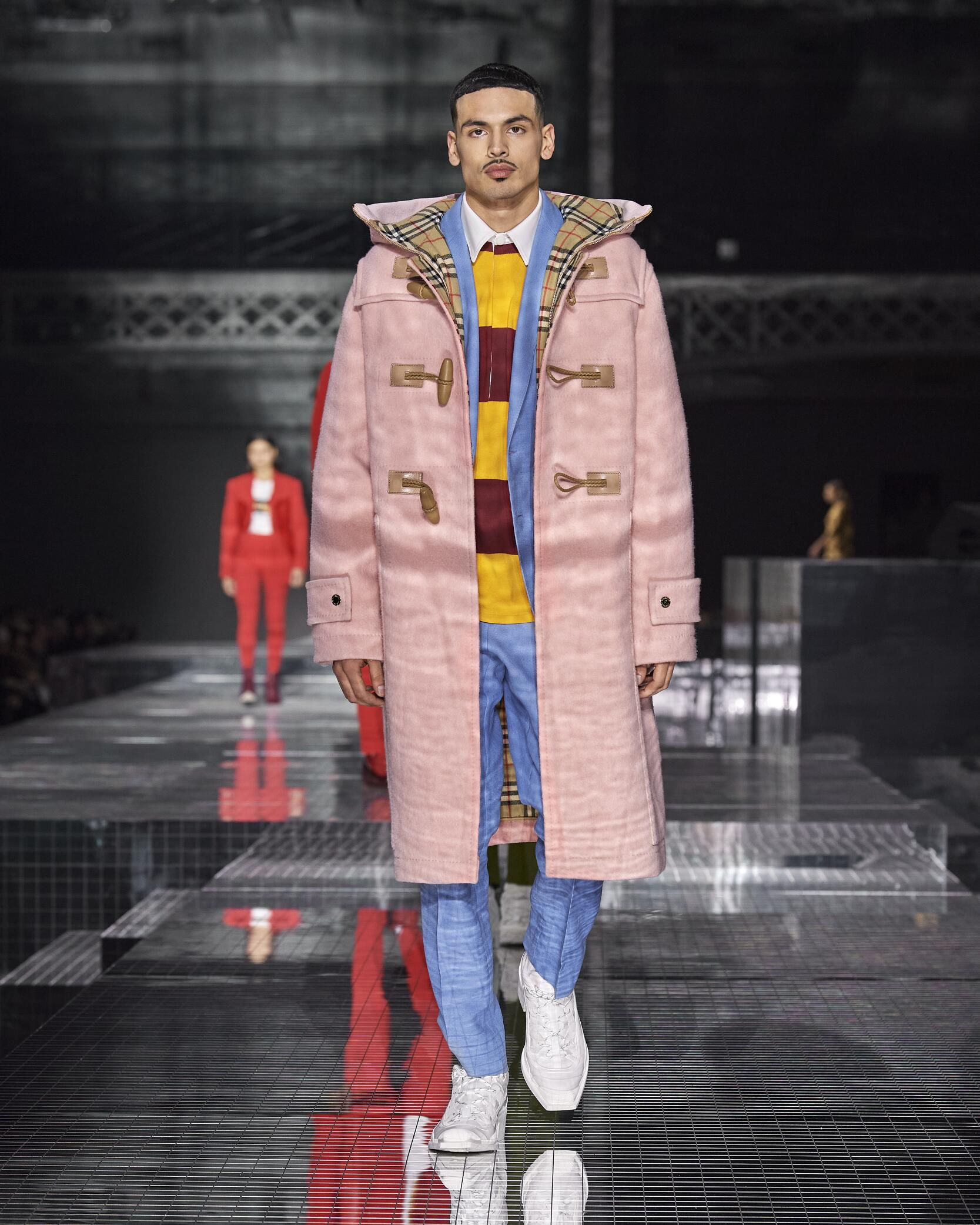 Fashion Show Man Model Burberry Catwalk 2020-2021