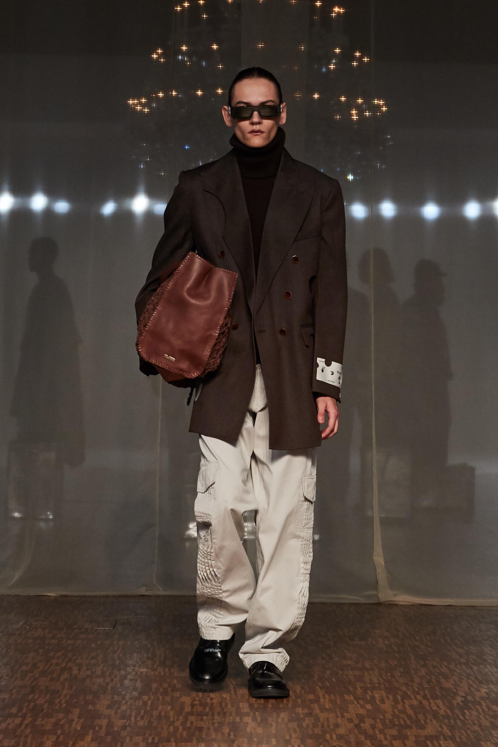 Fashion Show Man Model Off White c/o Virgil Abloh Catwalk