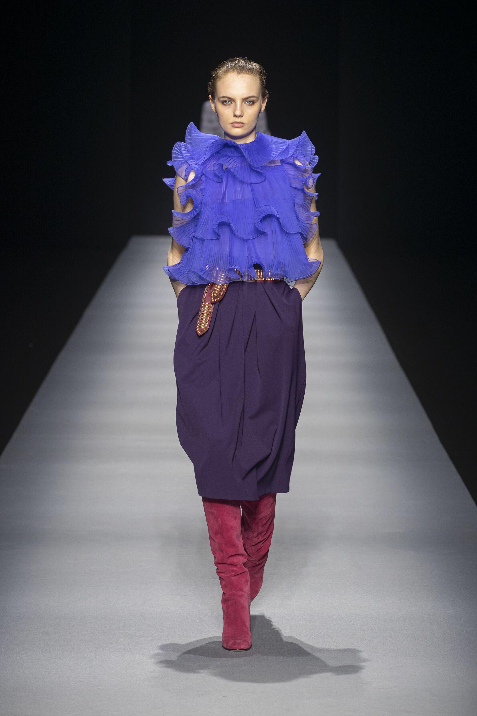 Fashion Show Woman Model Alberta Ferretti Catwalk