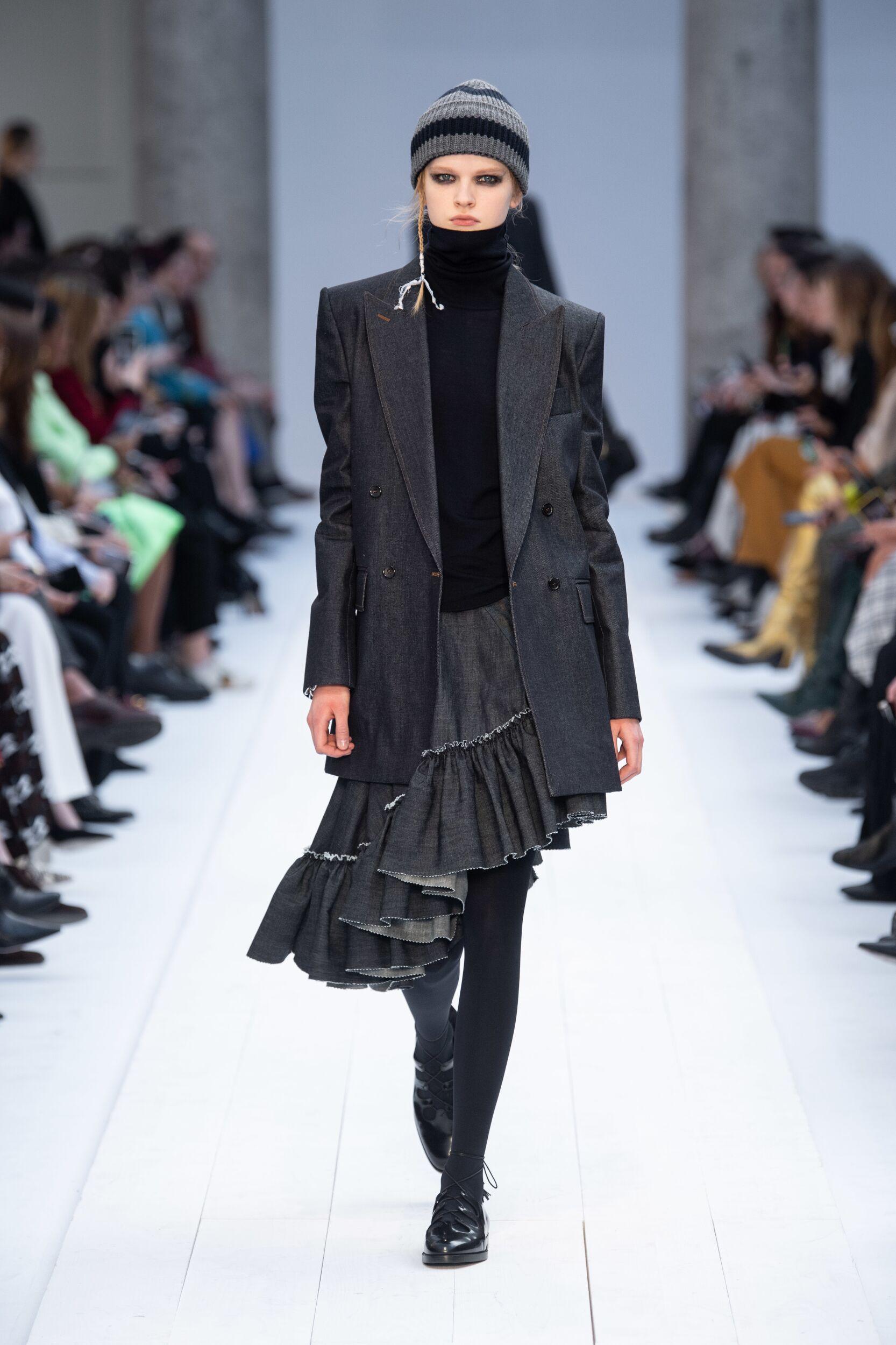 Fashion Show Woman Model Max Mara Catwalk