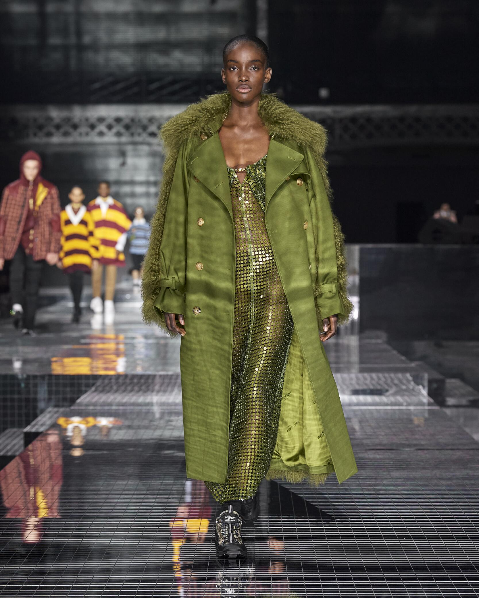 Fashion Trends 2020-2021 Catwalk Burberry Winter Womens Collection