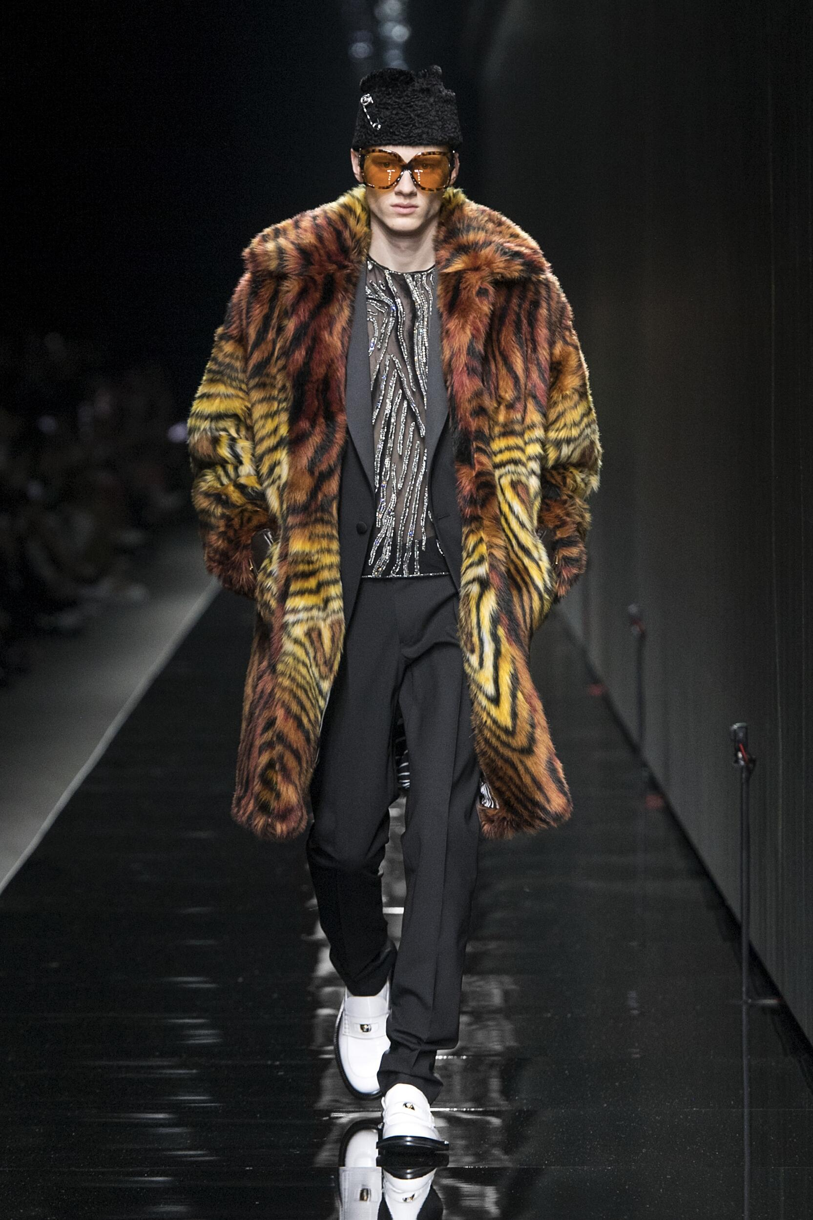 Fashion Trends 2020-2021 Catwalk Versace Winter Mens Collection