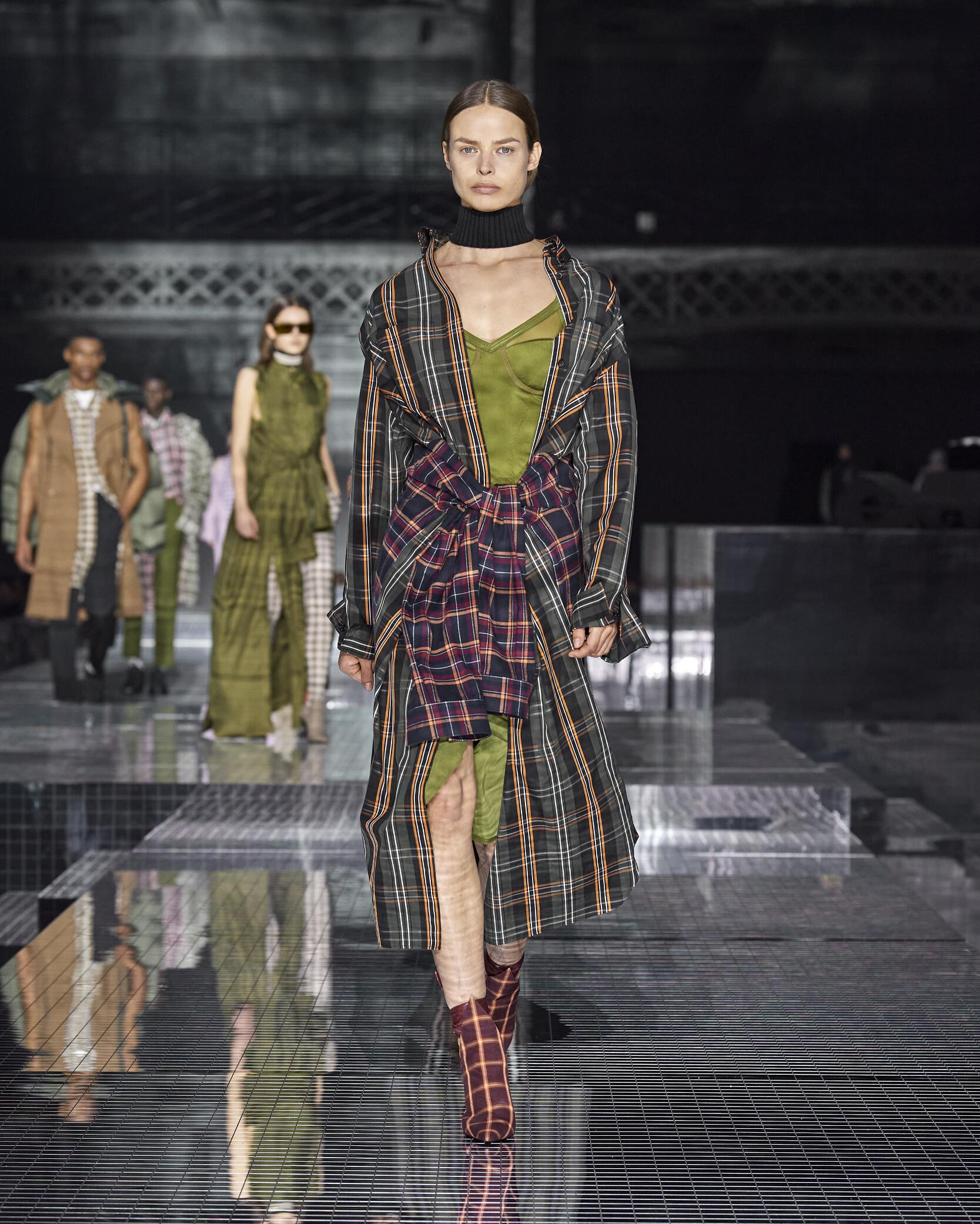 Fashion Trends 2020 Catwalk Burberry Winter Womens Collection