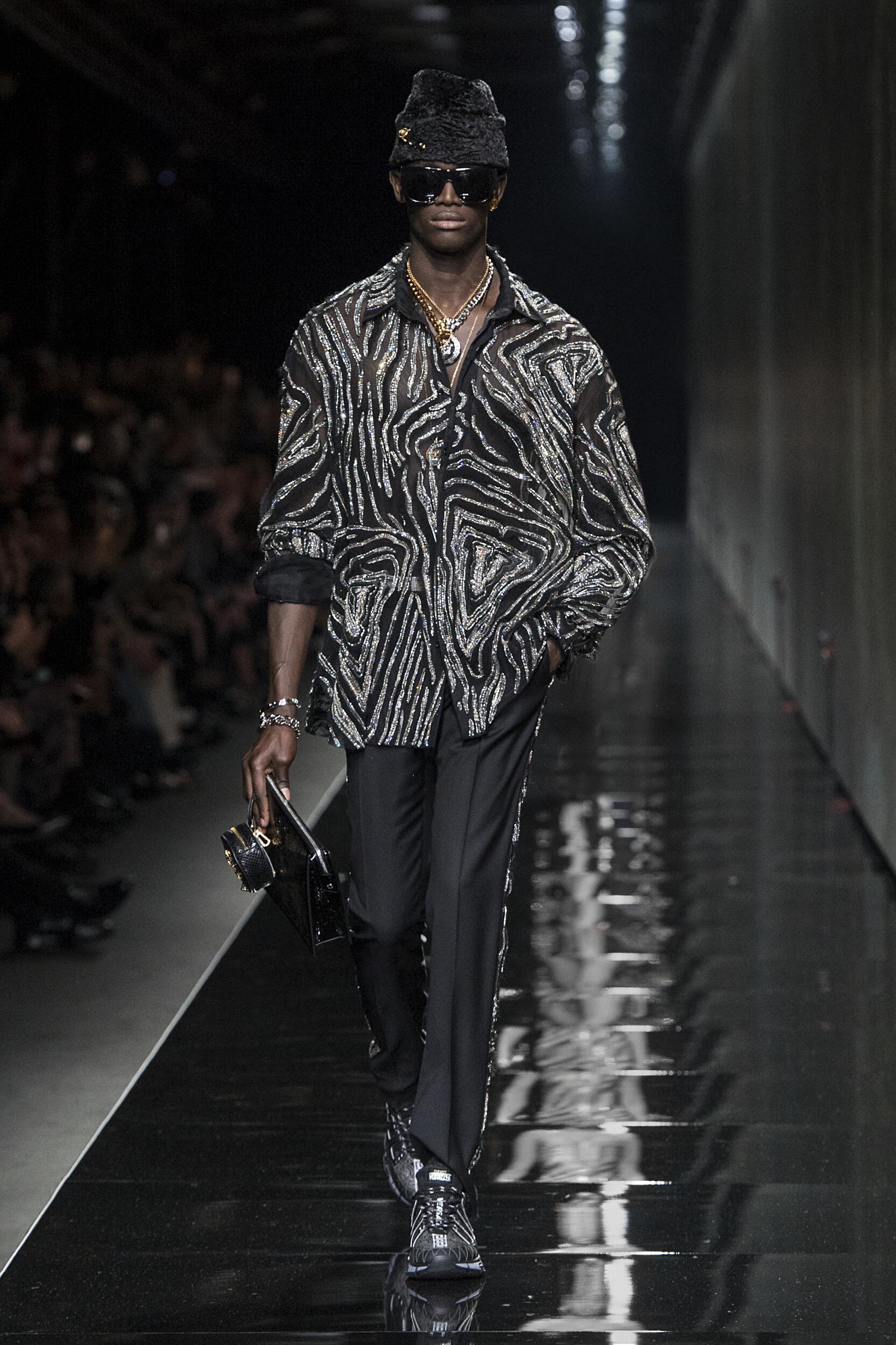 Man Fashion 2020-21 Style Versace