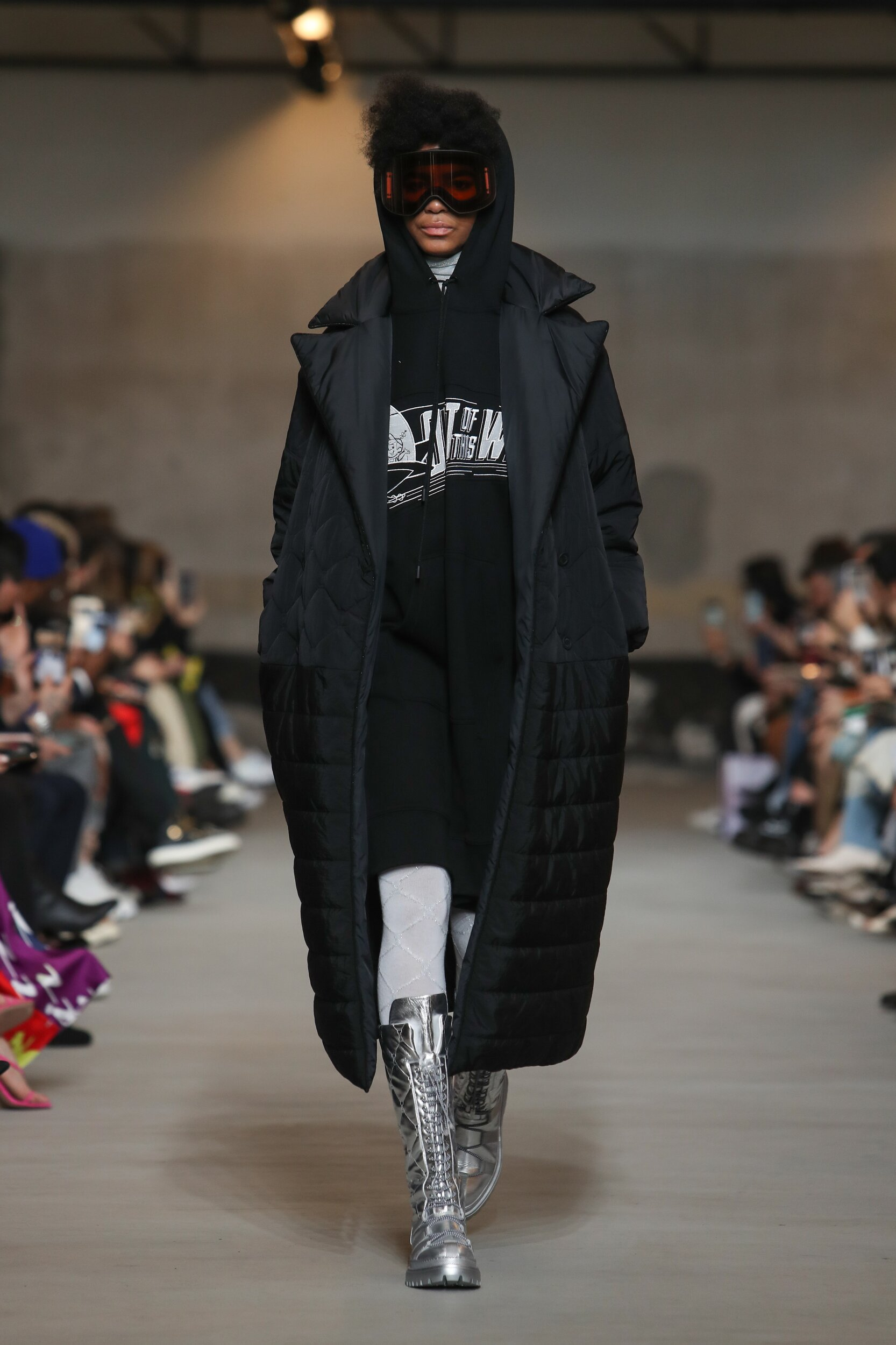 Model Fashion Show Iceberg