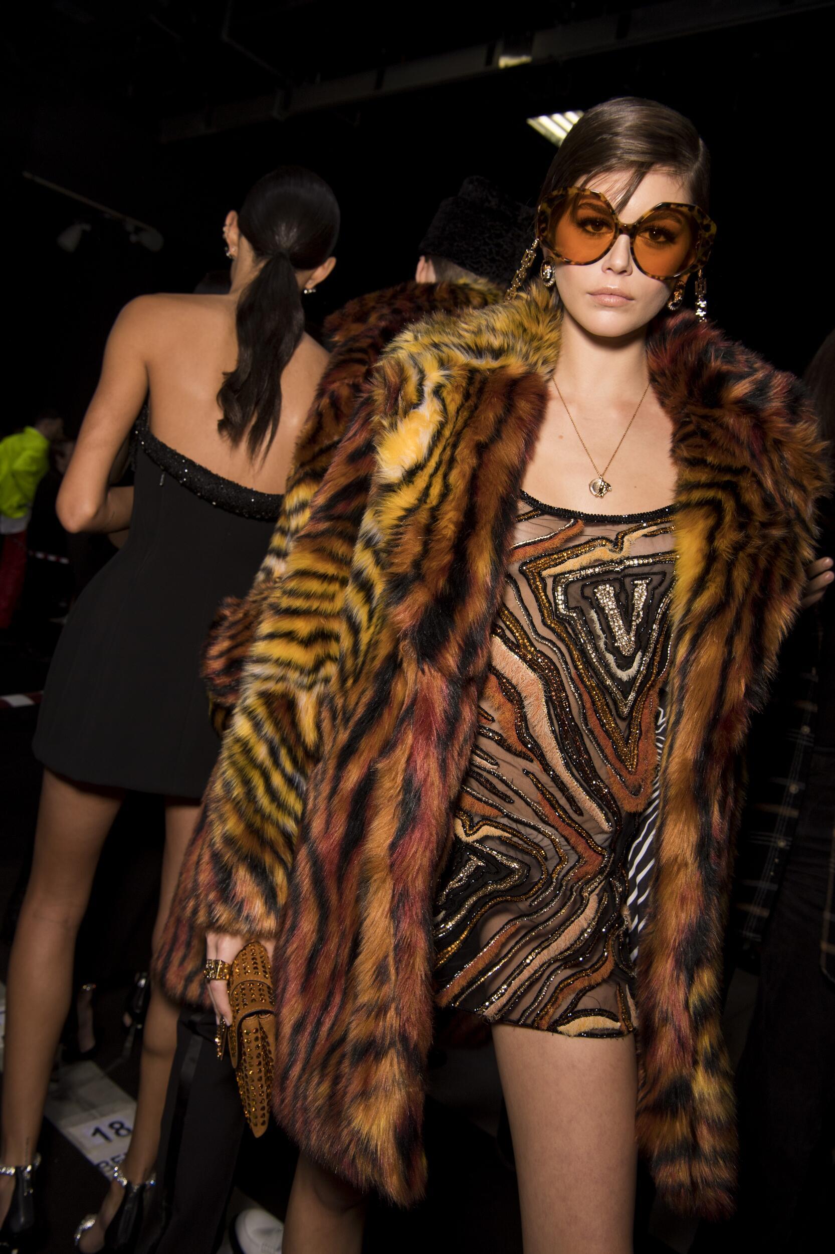 Model Style Backstage Versace