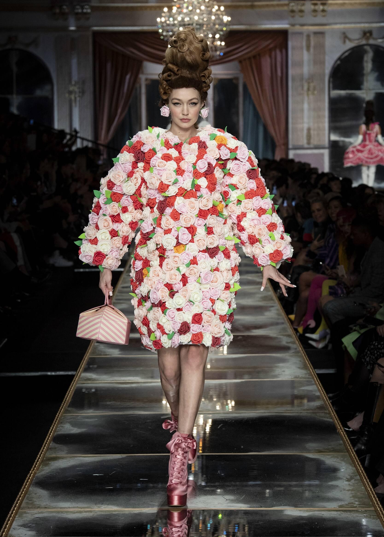 Moschino 2020 Milan Trends Womenswear