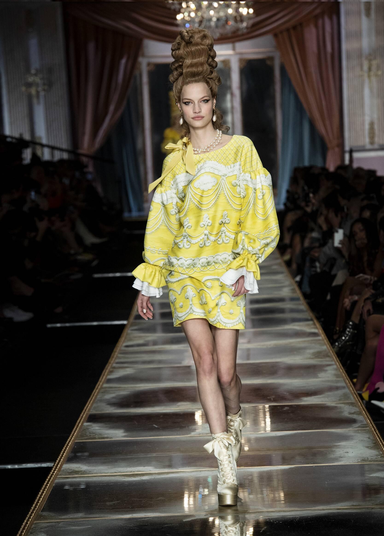 Moschino 2020 Milan Women Trends