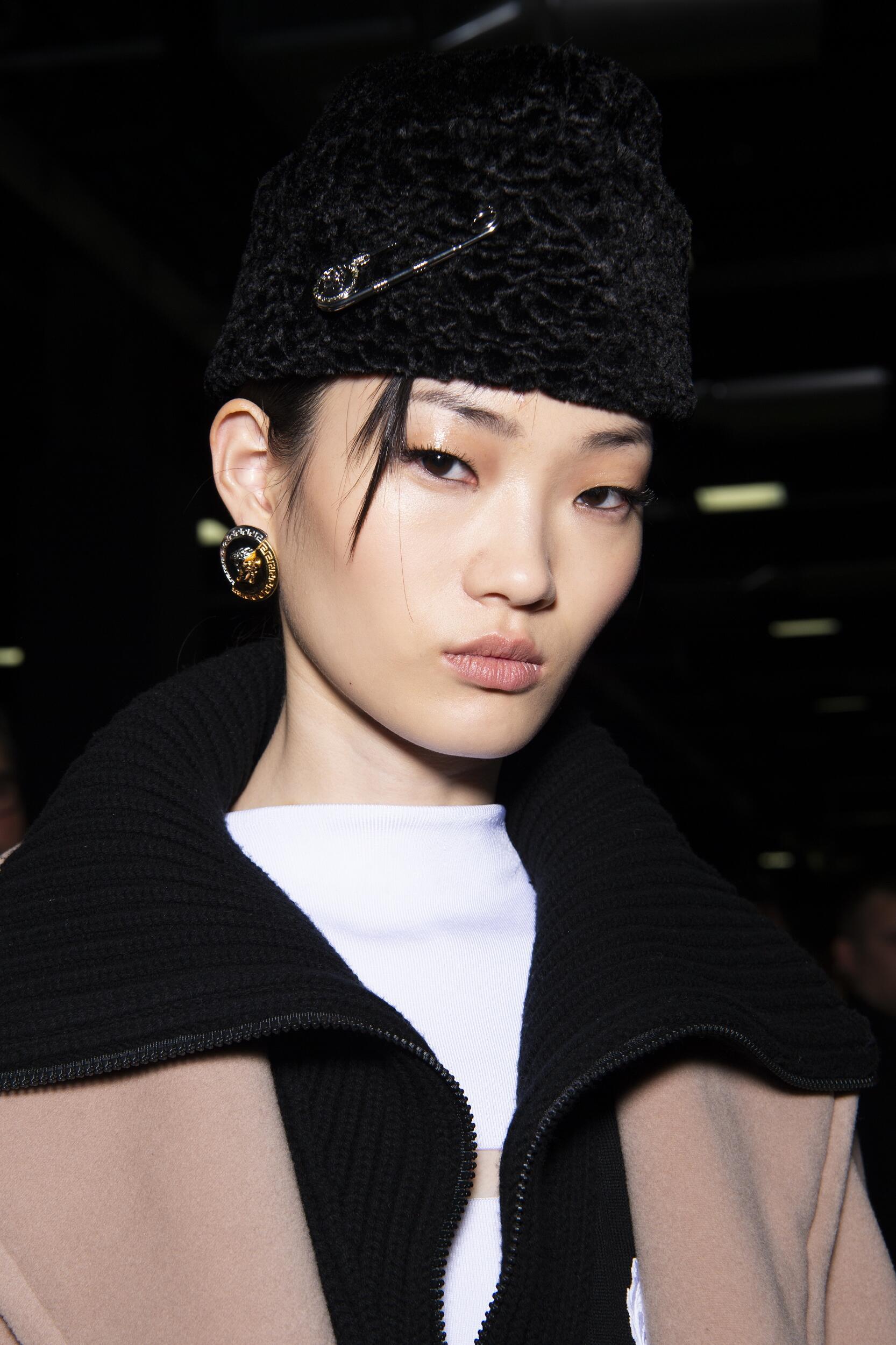 Portrait Backstage Versace