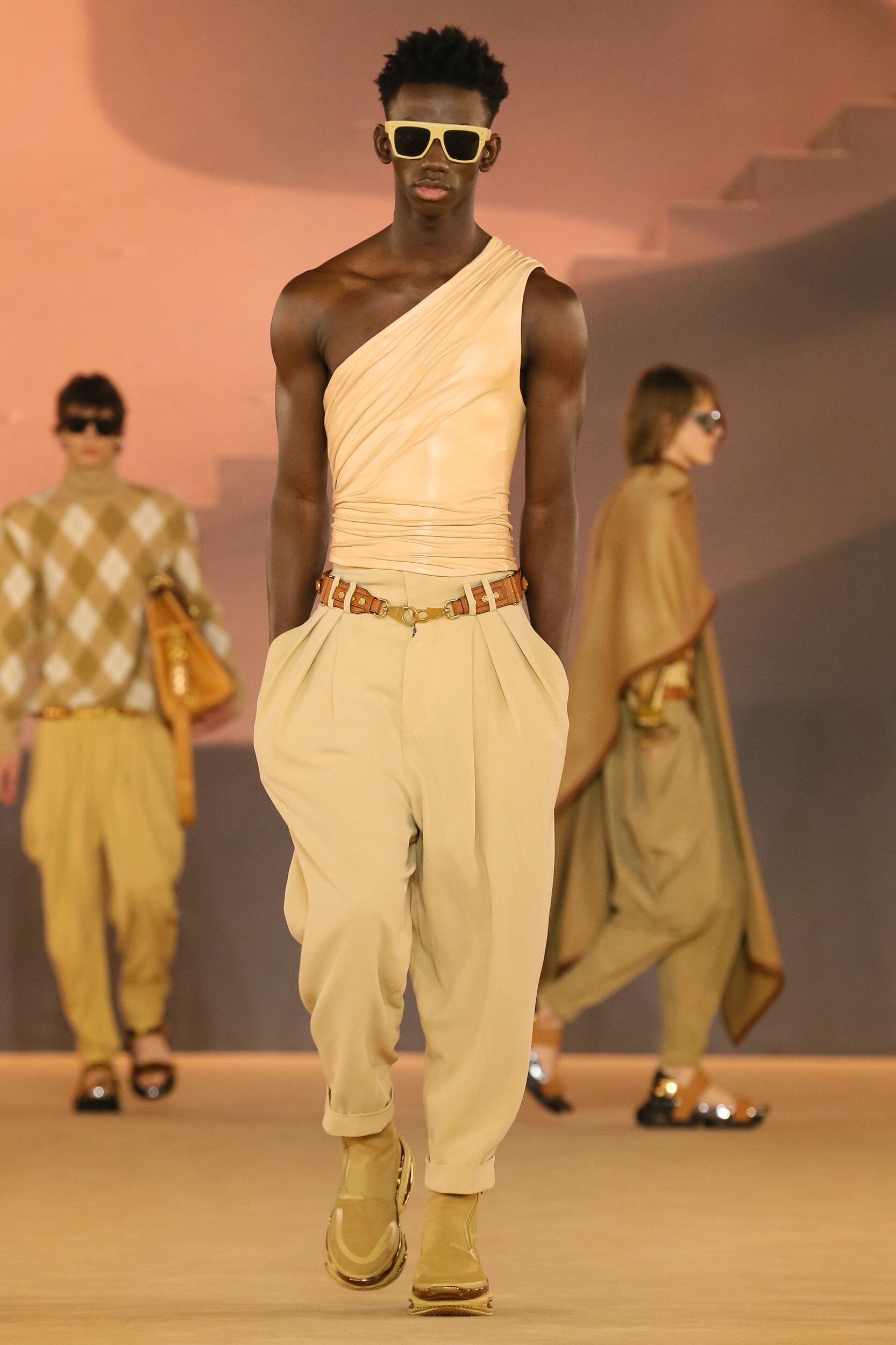 Runway Balmain Fall Winter 2020 Men's Collection Paris Fashion Week