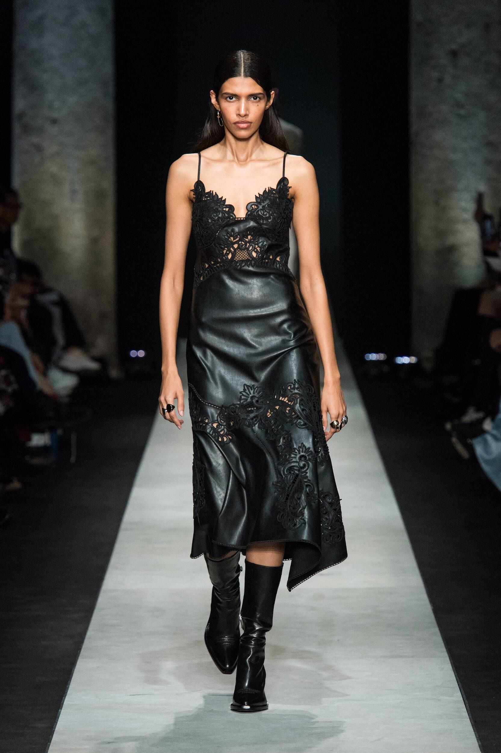 Runway Ermanno Scervino Fall Winter 2020 Women's Collection Milan Fashion Week