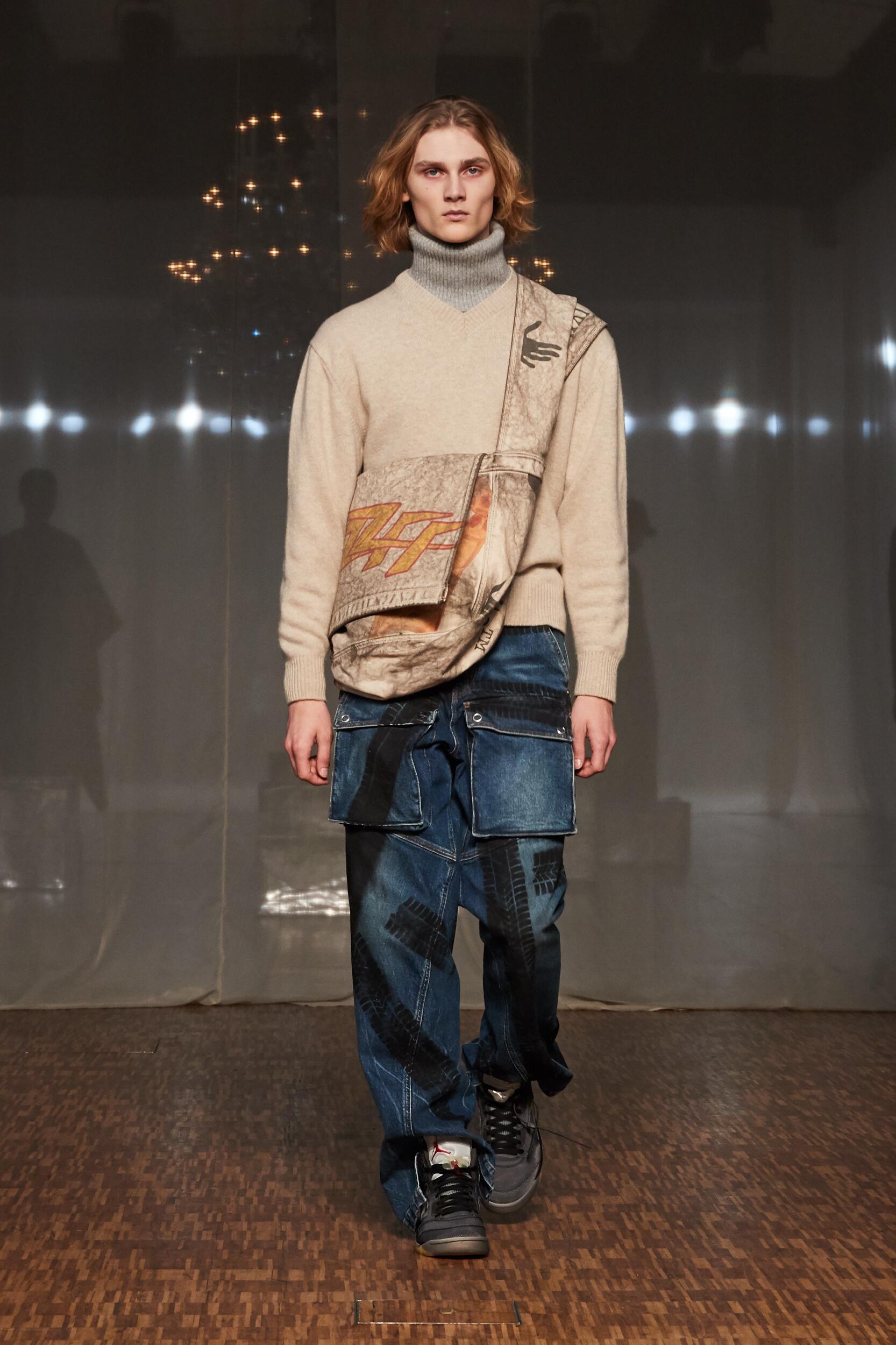 Runway Off White c/o Virgil Abloh Fall Winter 2020 Men's Collection Paris Fashion Week