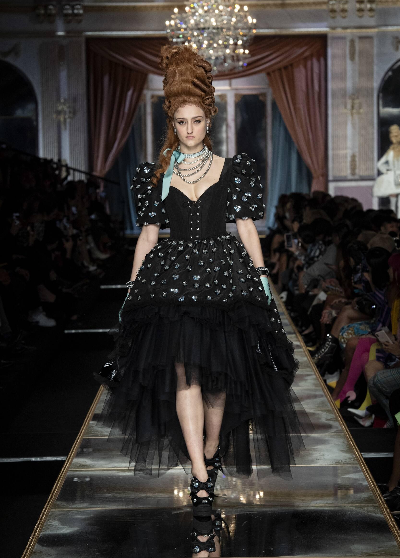 Winter 2020 Woman Trends Moschino