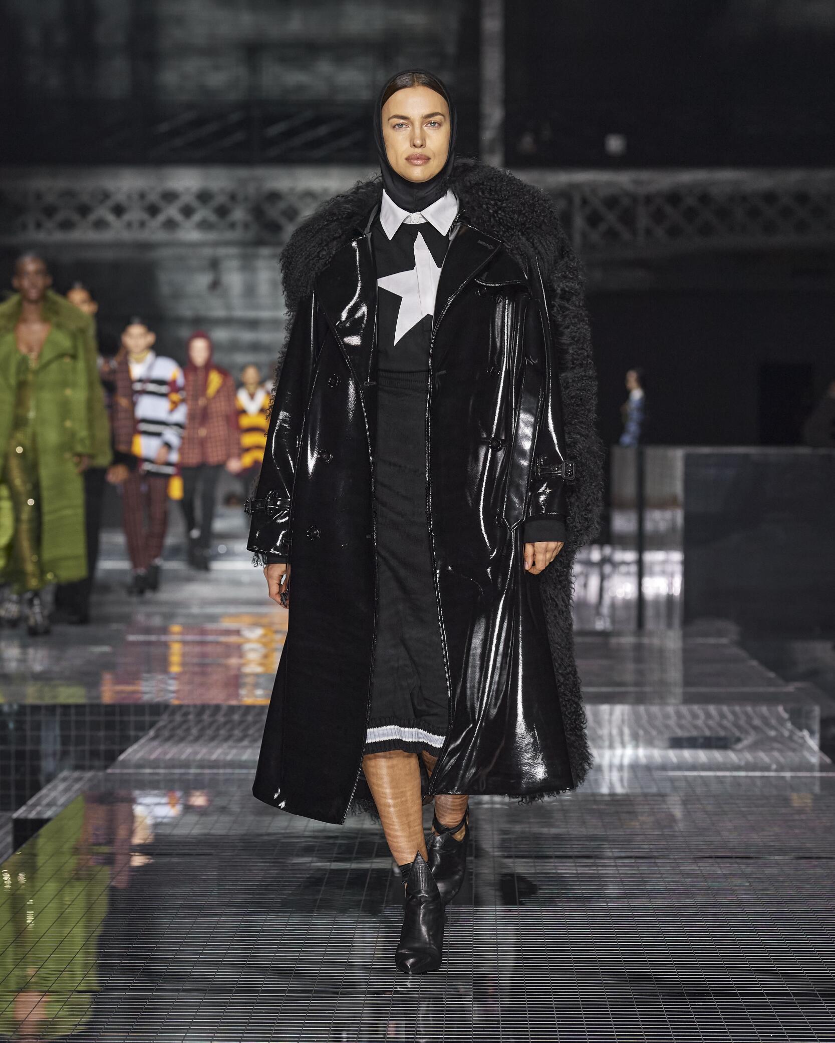 Woman FW 2020 Burberry Show London Fashion Week