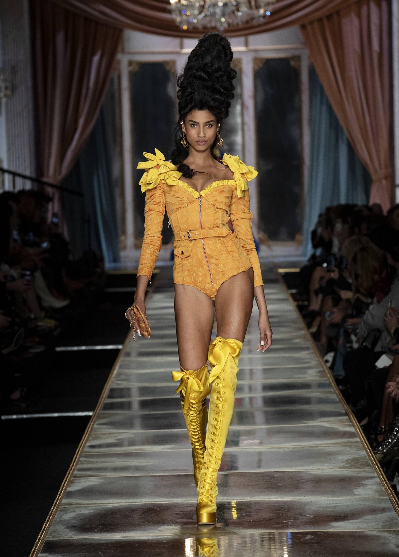 Womenswear FW Moschino 2020