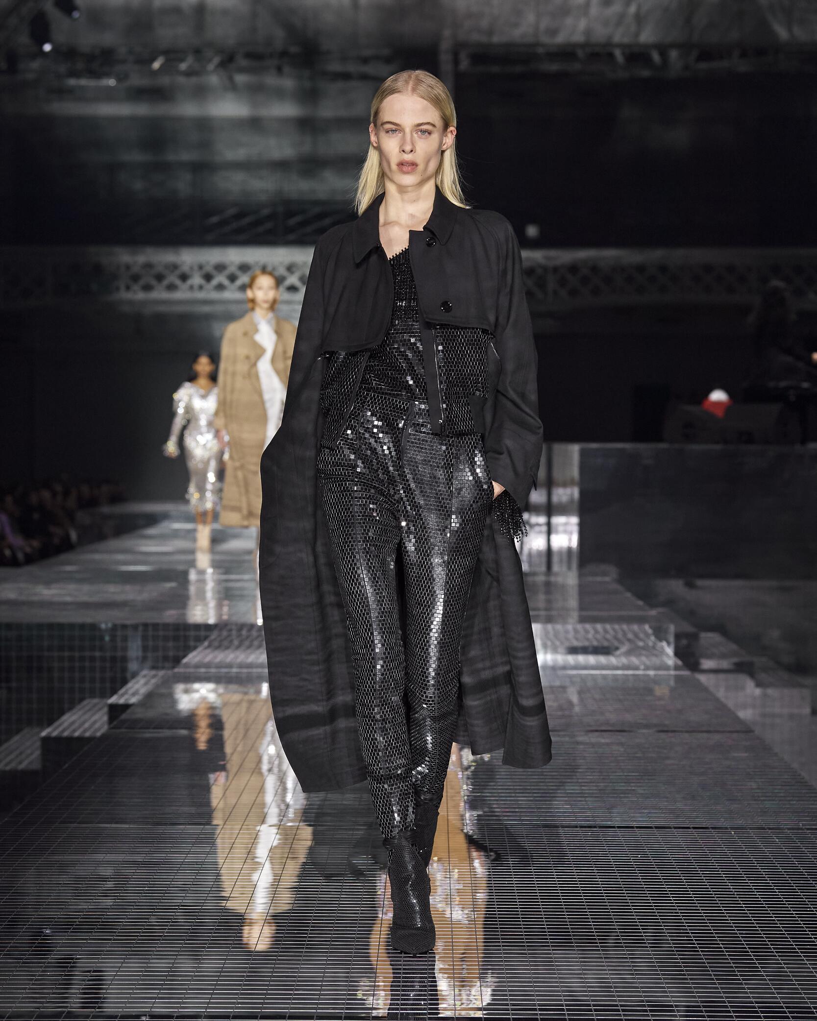 Womenswear Fall Winter Burberry 2020