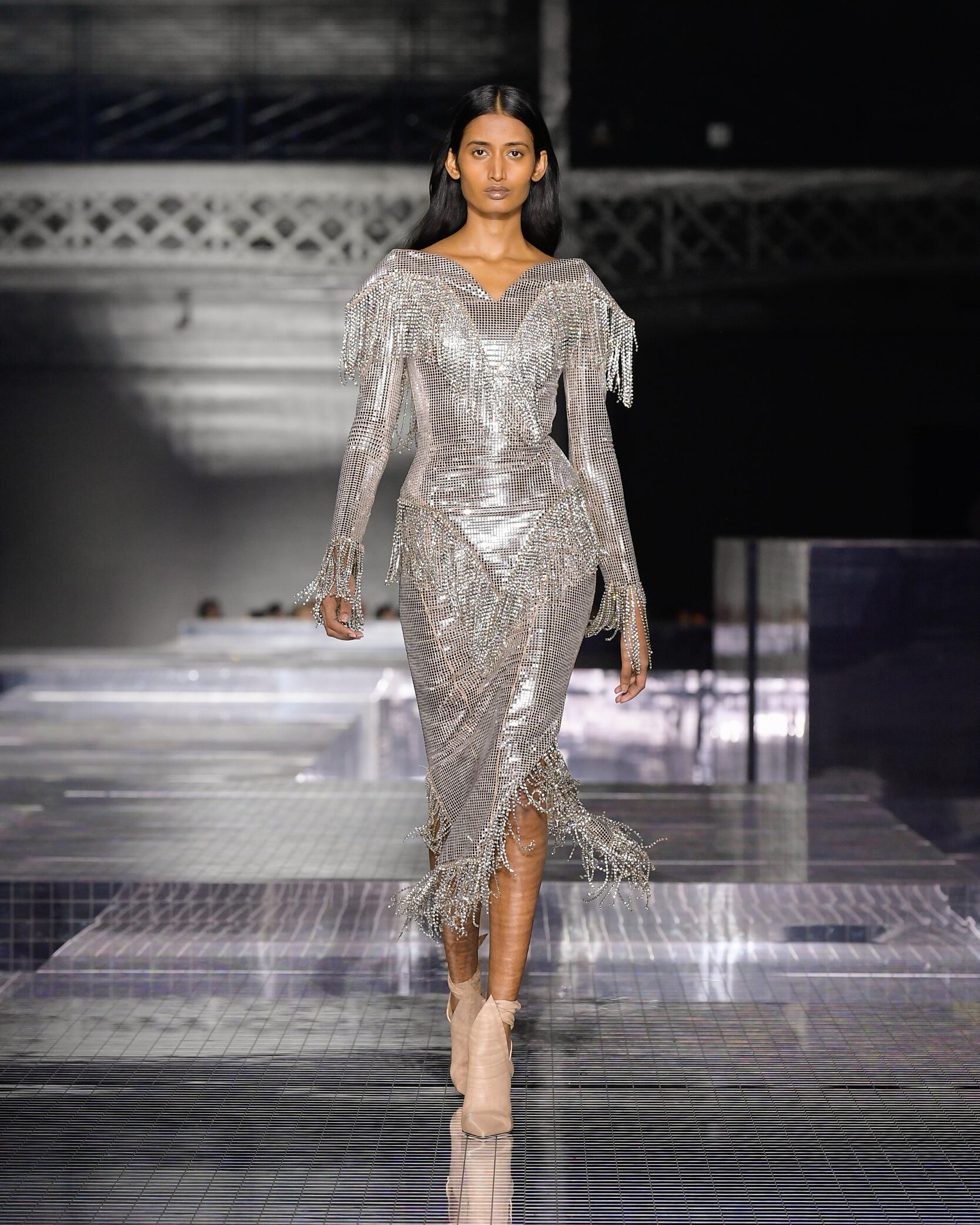 Womenswear Fashion 2020-21 Catwalk Burberry