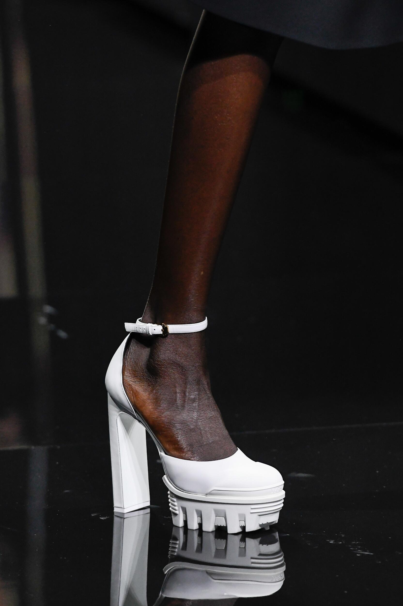 Womenswear Shoes 2020 Versace