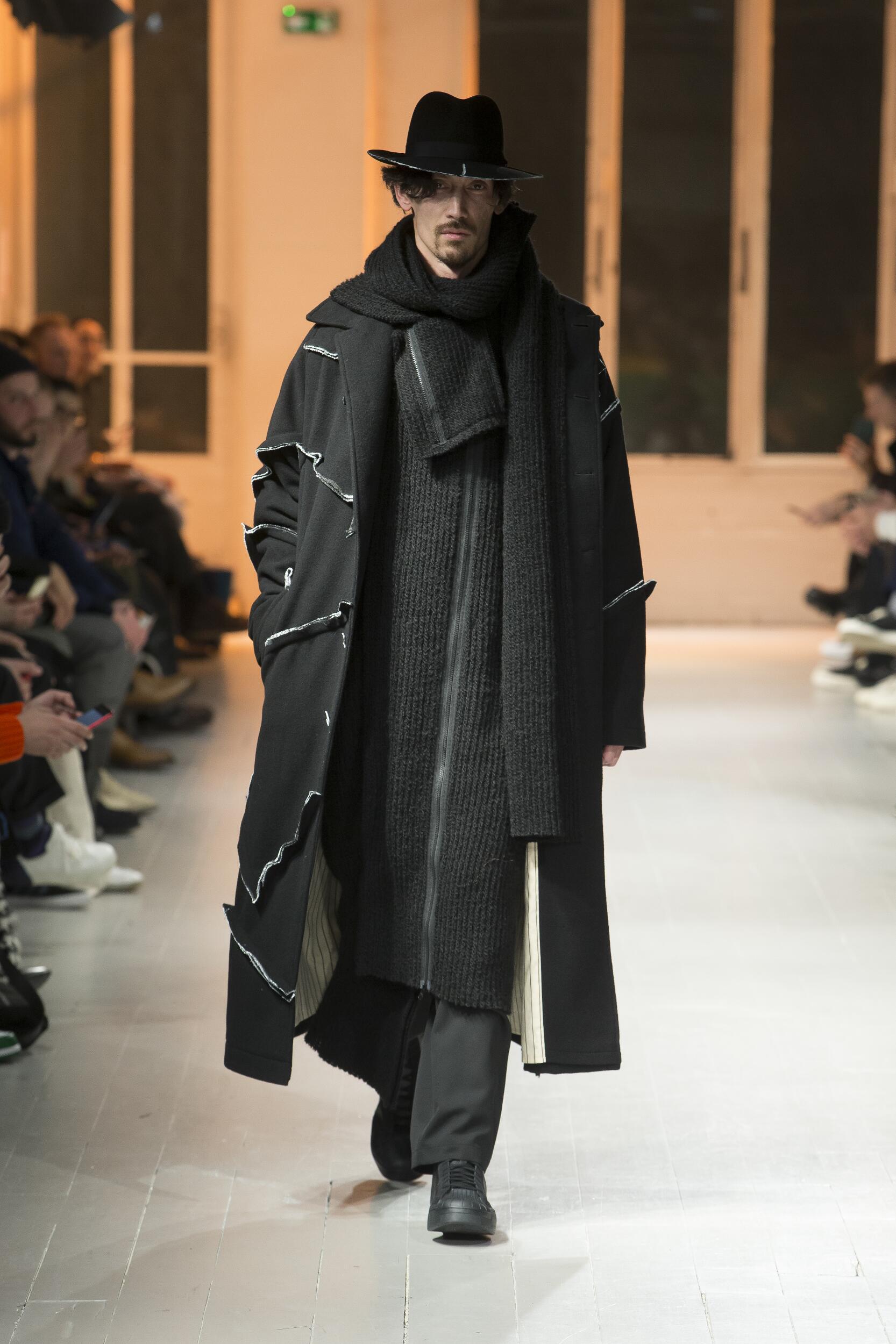 Yohji Yamamoto Winter 2020 Catwalk